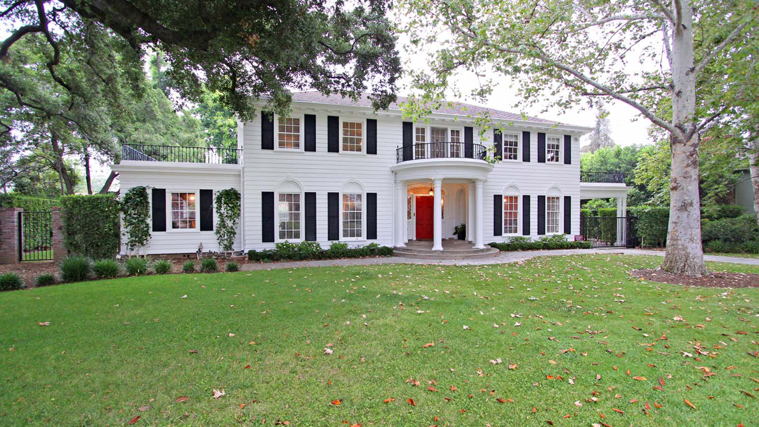 Father Of The Bride: The 'Father Of The Bride' House Is For Sale! Here Are The