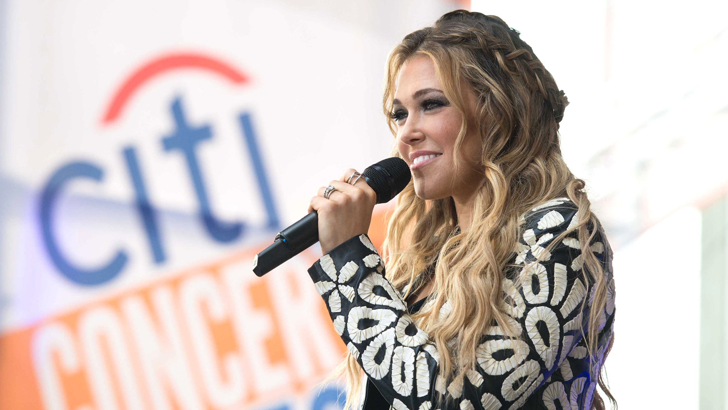 TODAY plaza a 'Better Place' with Rachel Platten kicking off July 4 weekend