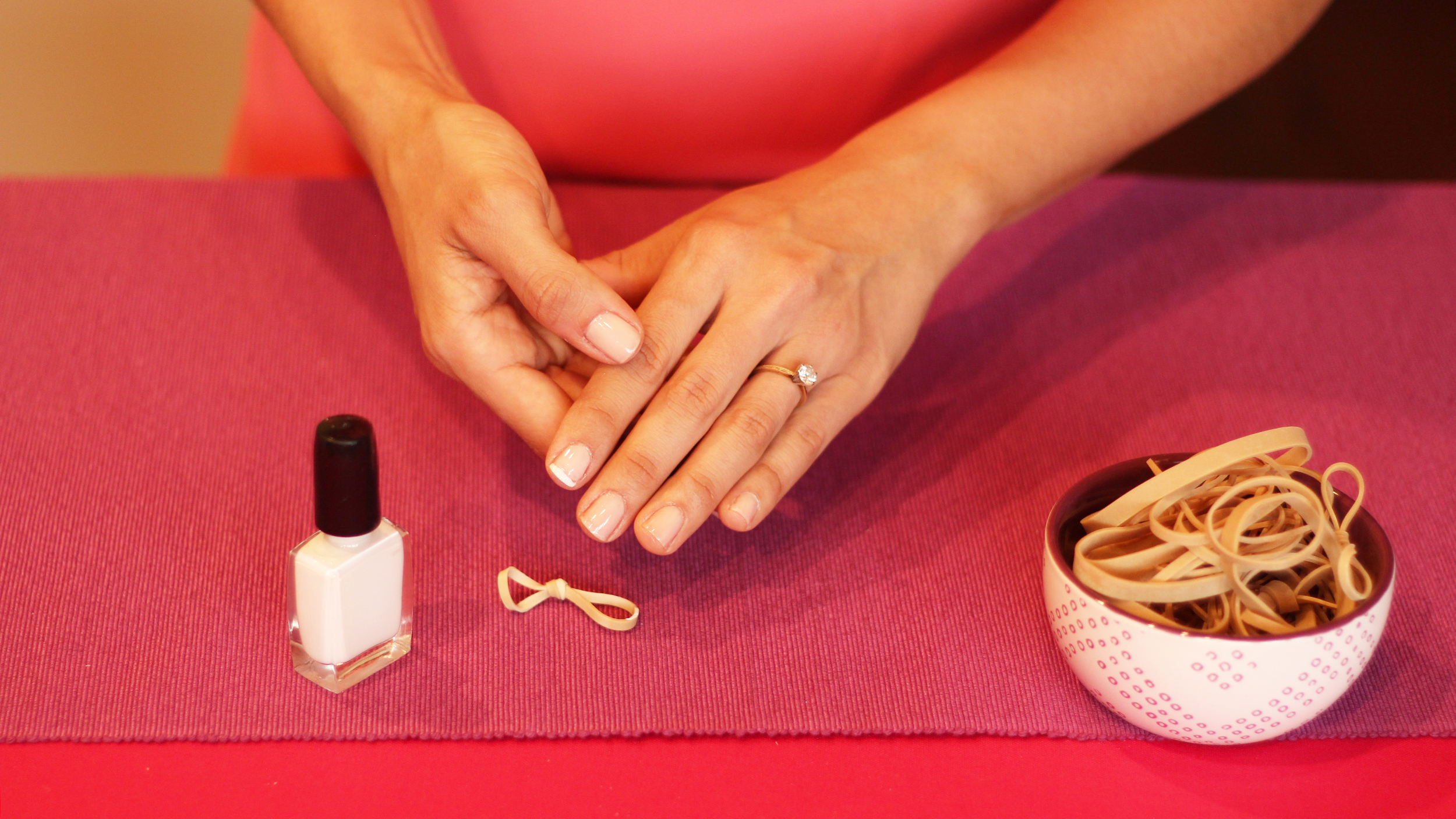 French manicure hack: Use a rubber band!