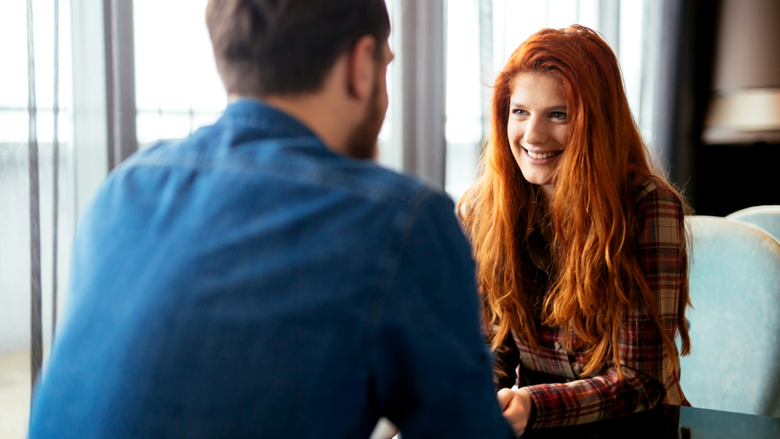 18 body language clues that say he's interested — definitely