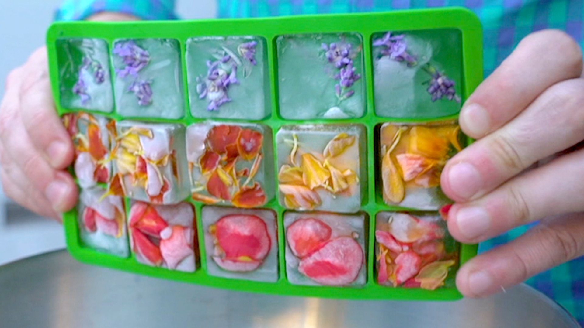 Easy Tips To Make Your Own Floral Ice Cubes