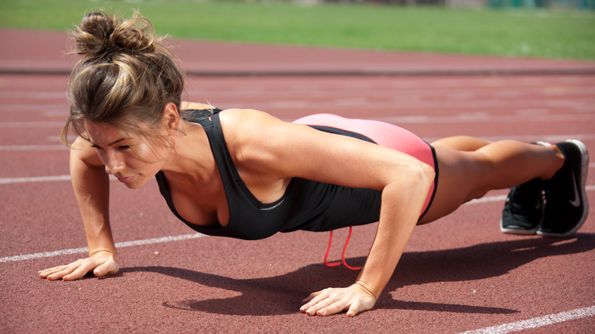 Anna Victoria's 3 best moves for a strong core