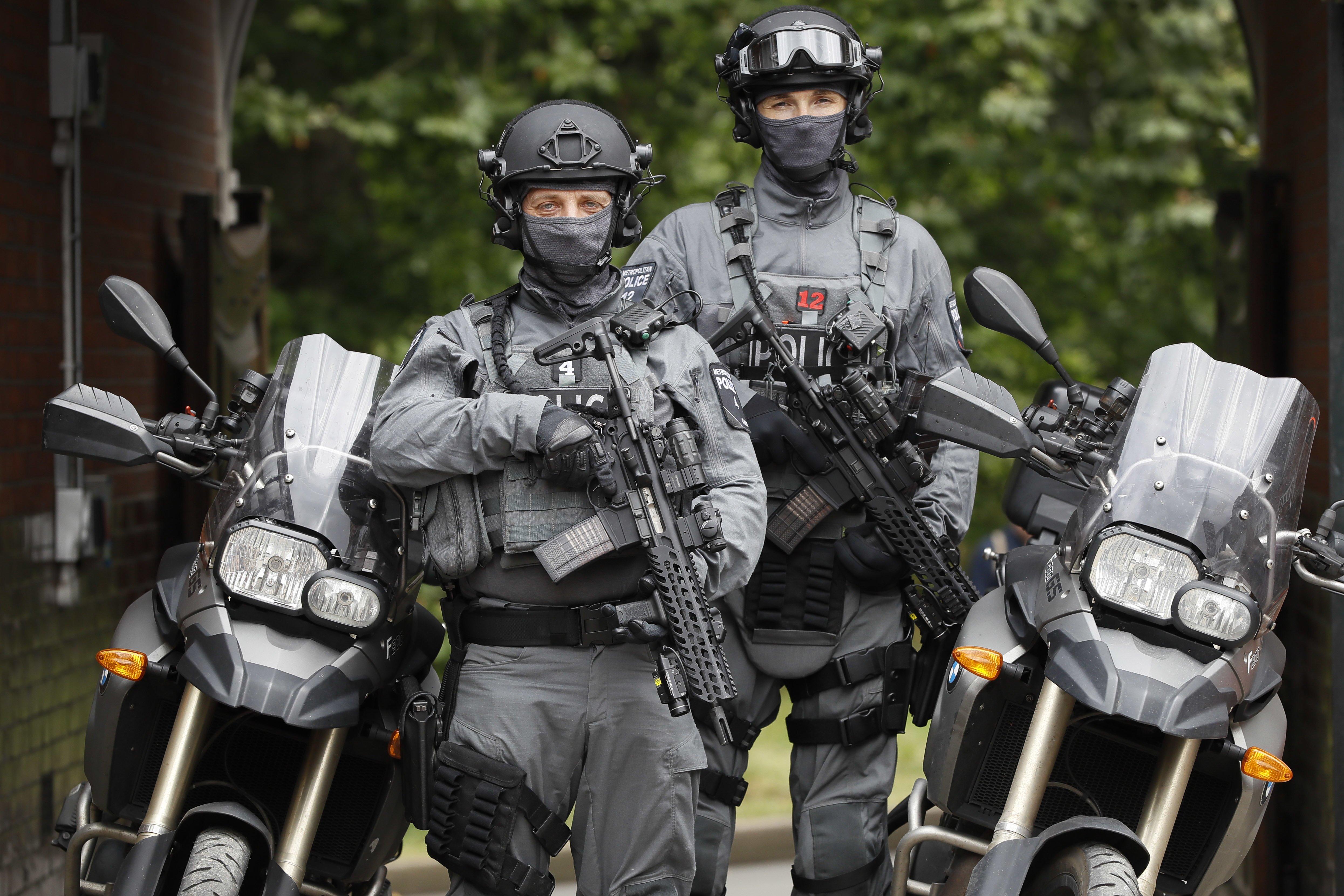 Image: Counterterrorism officers