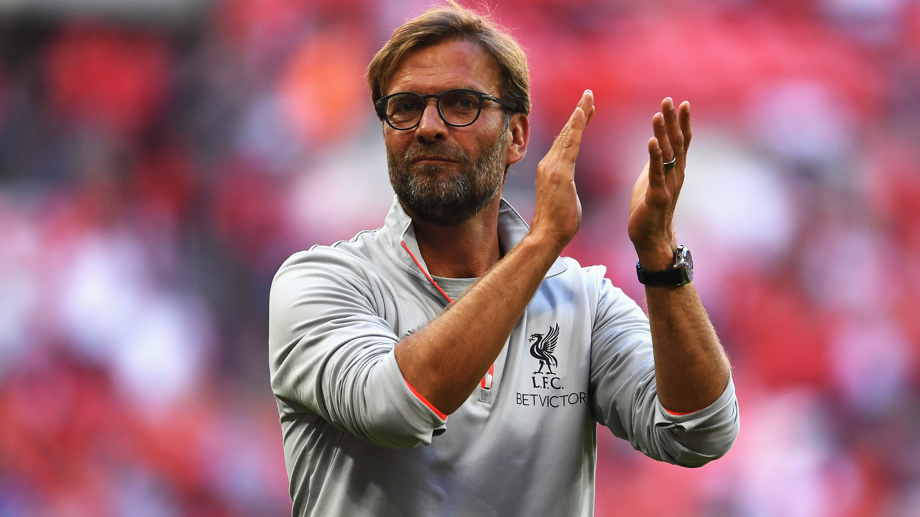 Liverpool Fc Manager Replies To Young Manchester United Fan S Letter Asking Him To Lose