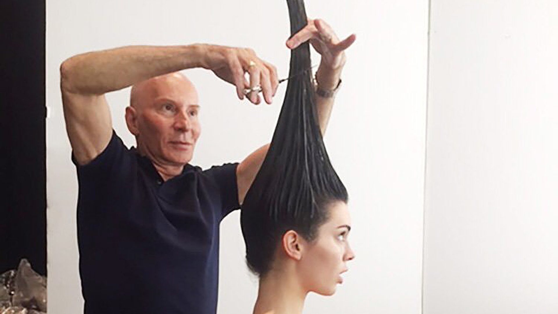 Did Kendall Jenner Get A Vertical Haircut For Her Vogue Cover