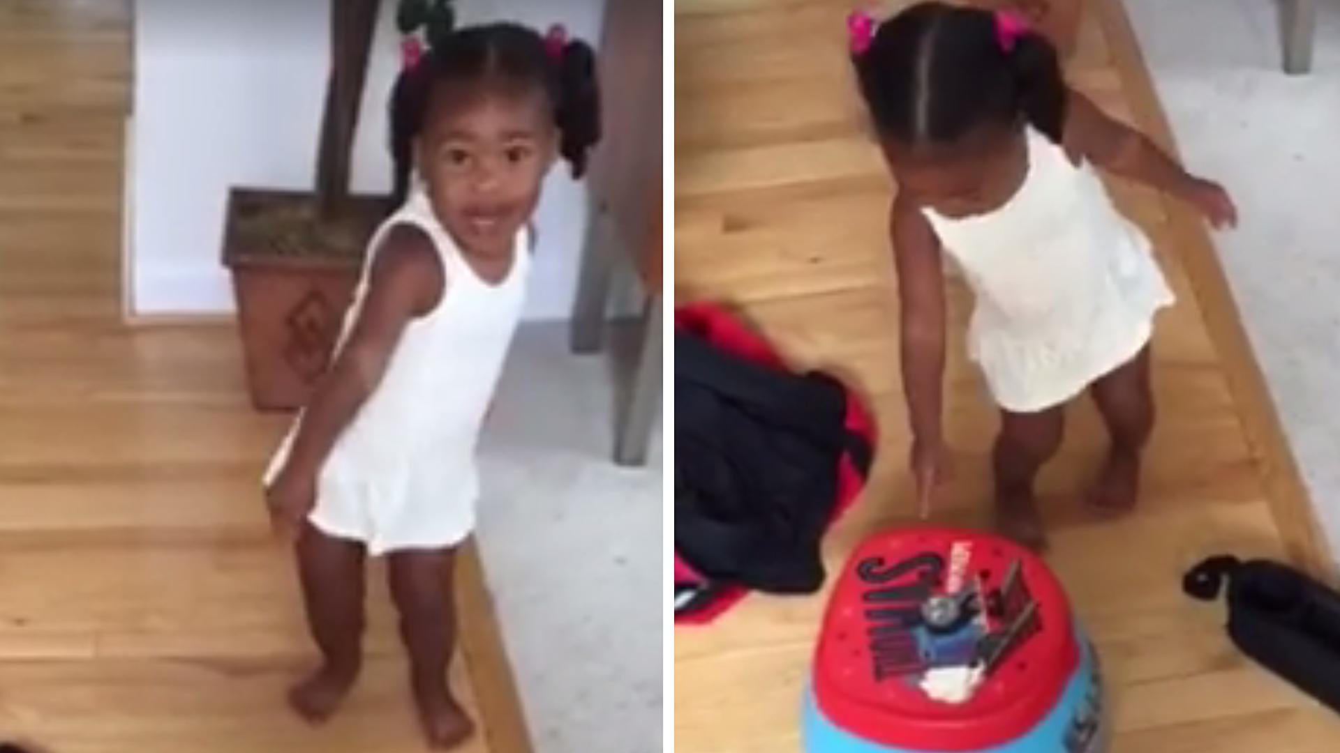 Girl lost bikini diving video