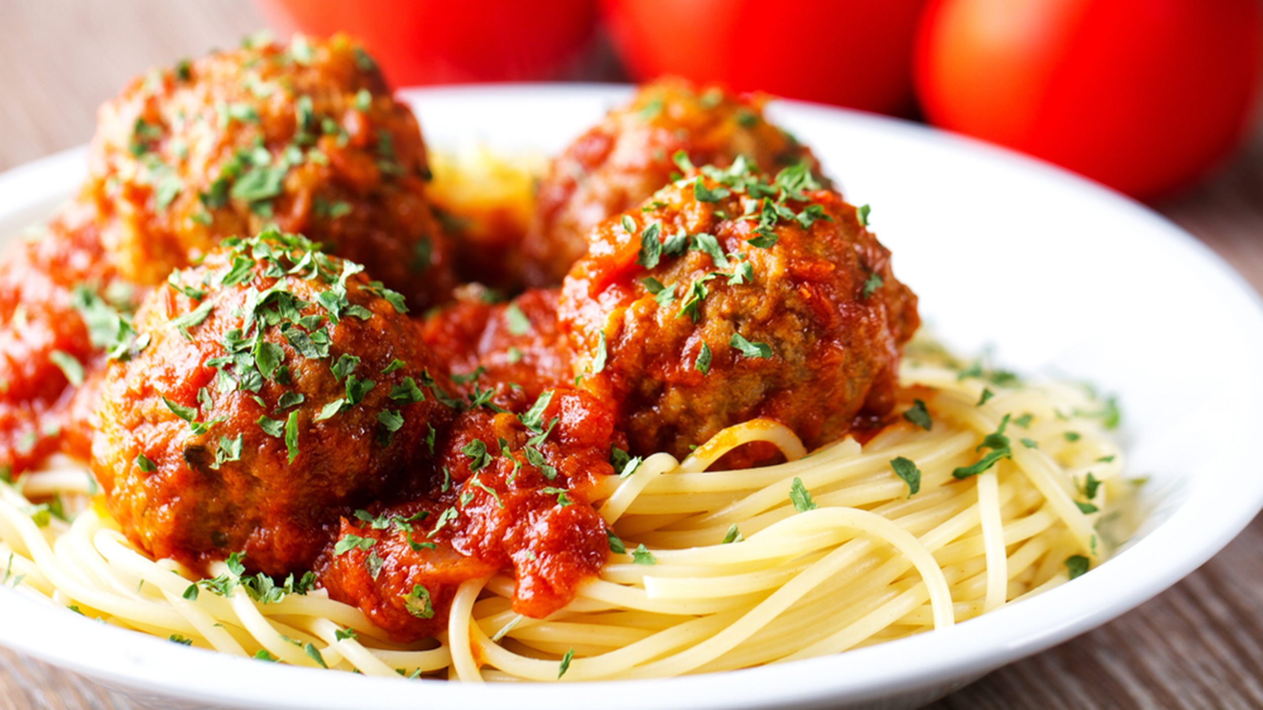 Feb 12,  · Oven baked meatballs are by far the easiest way to cook meatballs. Not only can you cook a lot all at the same time, you can also ensure that they are all cooked evenly throughout and that all of the meatballs are cooked the same. It is also nice that you do Servings: