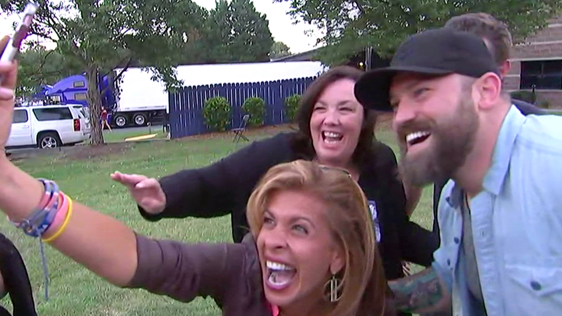 Zac brown band surprises moms whose kids battled cancer m4hsunfo