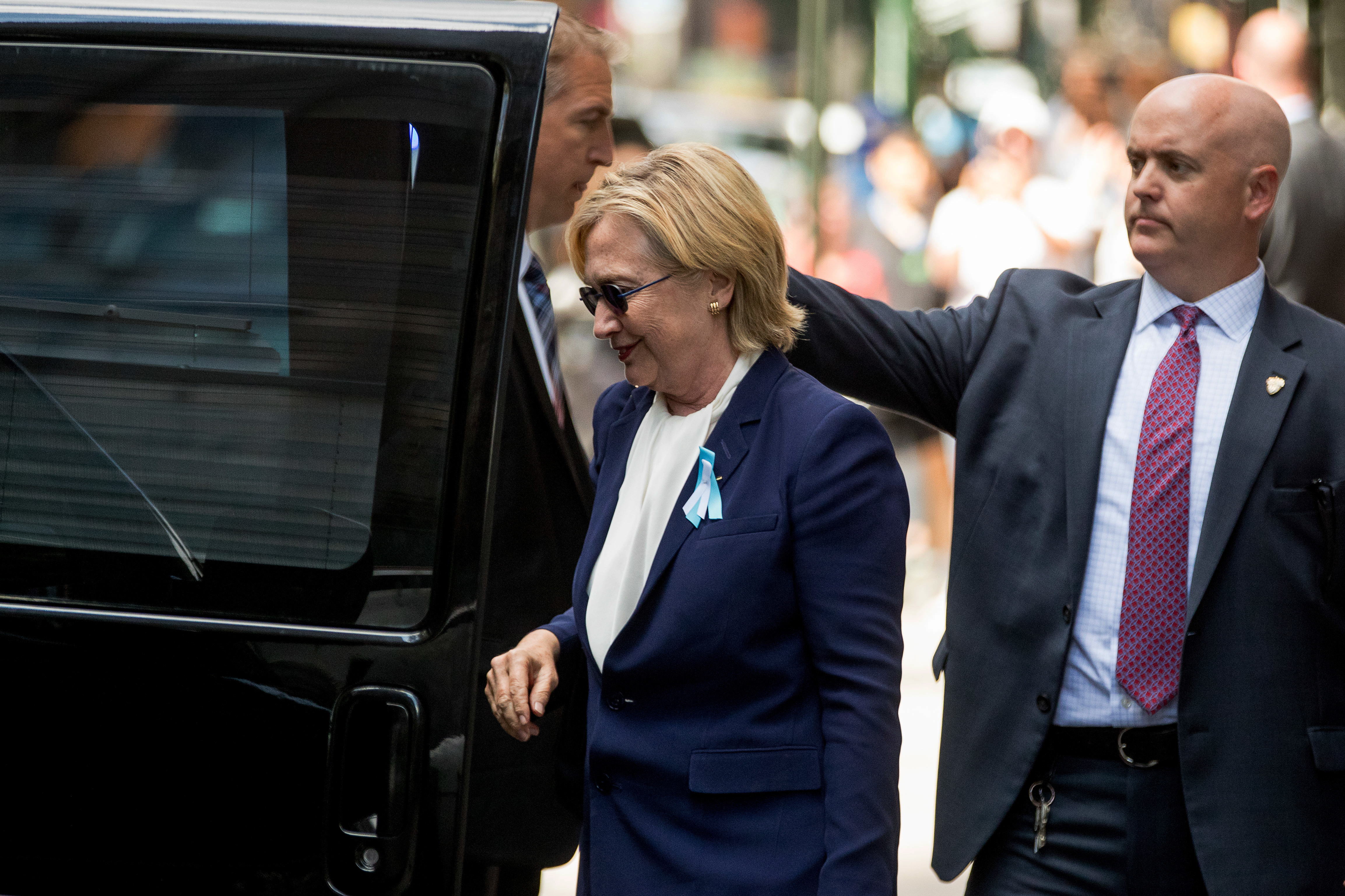 Hillary Clintons Health Scare Unanswered Questions NBC News - How tall is hillary clinton