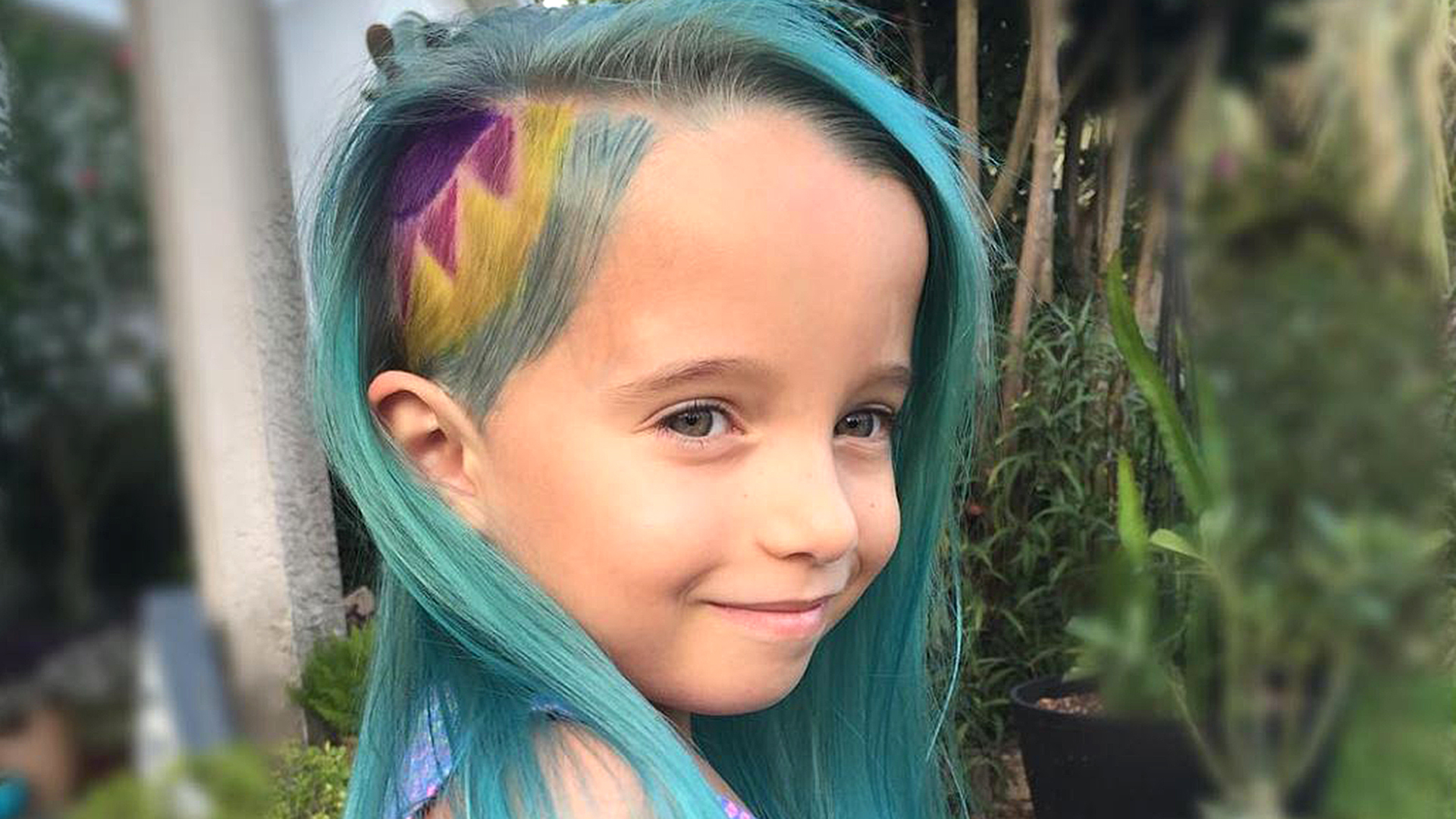 Can You Be Too Young To Have Dyed Hair 6 Year Old S Teal