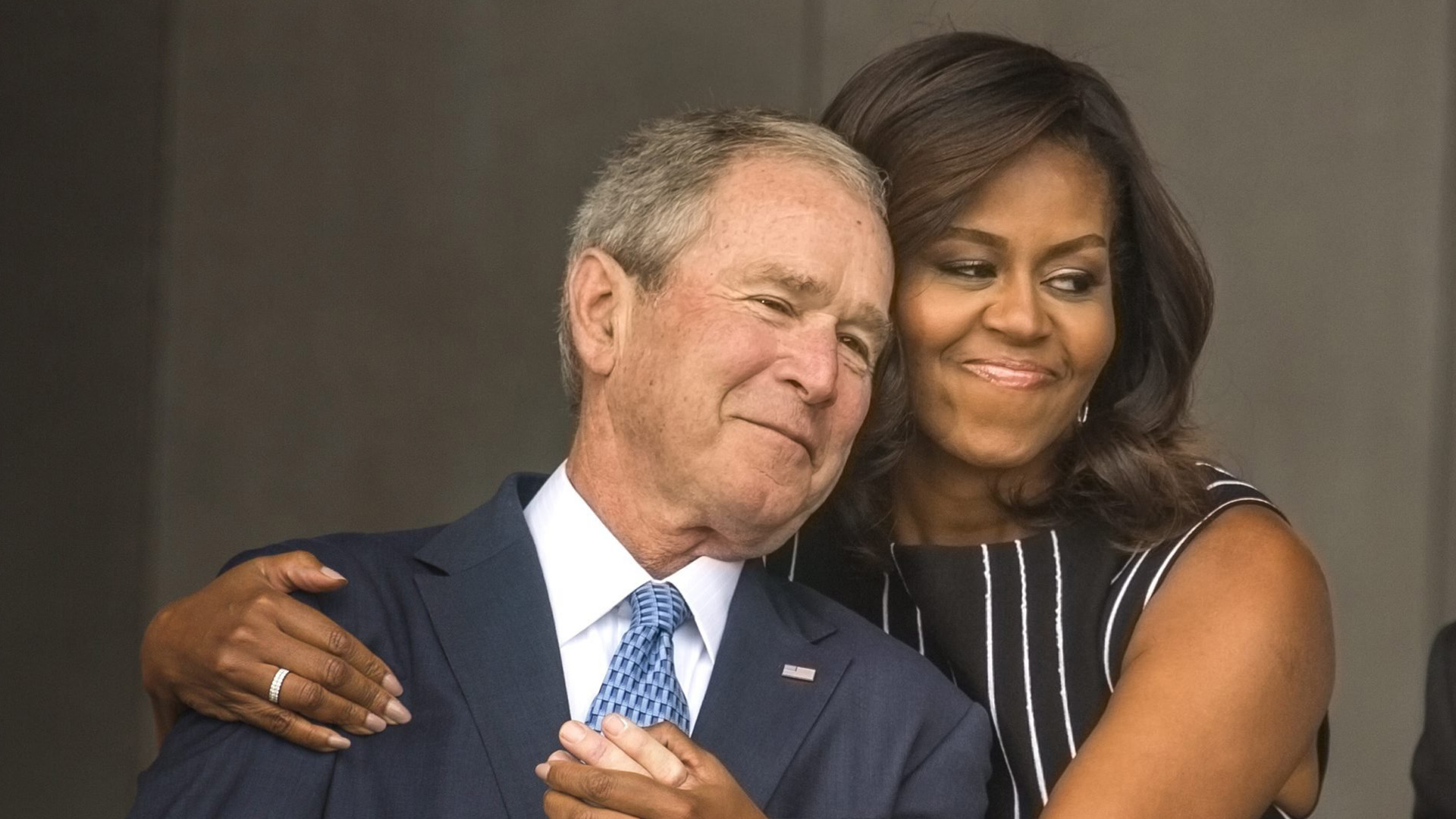 Michelle Obama, George W. Bush share a moment at the ...