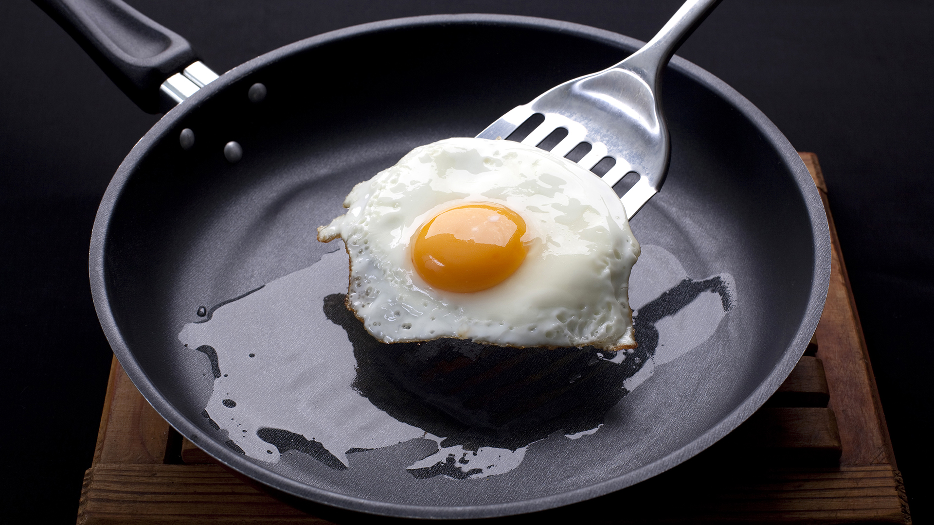 7 Ways Youre Ruining Your Nonstick Pans And How To Save Them