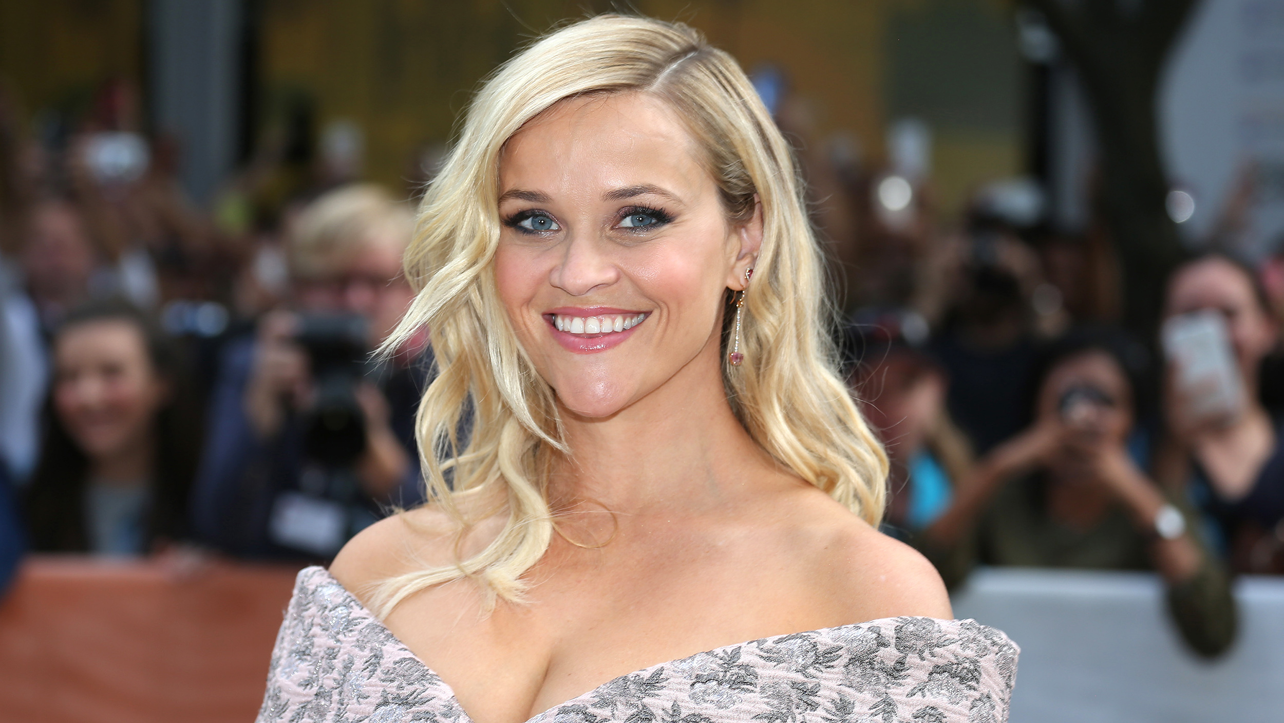 Reese Witherspoon reveals the 1 thing every woman should ...