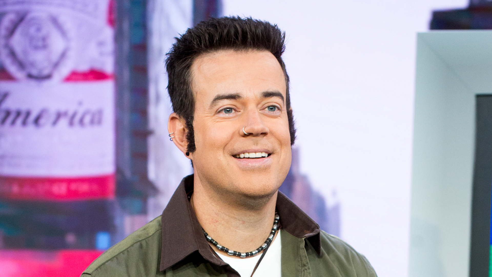 TRL' is back — for Halloween! See Carson Daly channel the '90s as ...