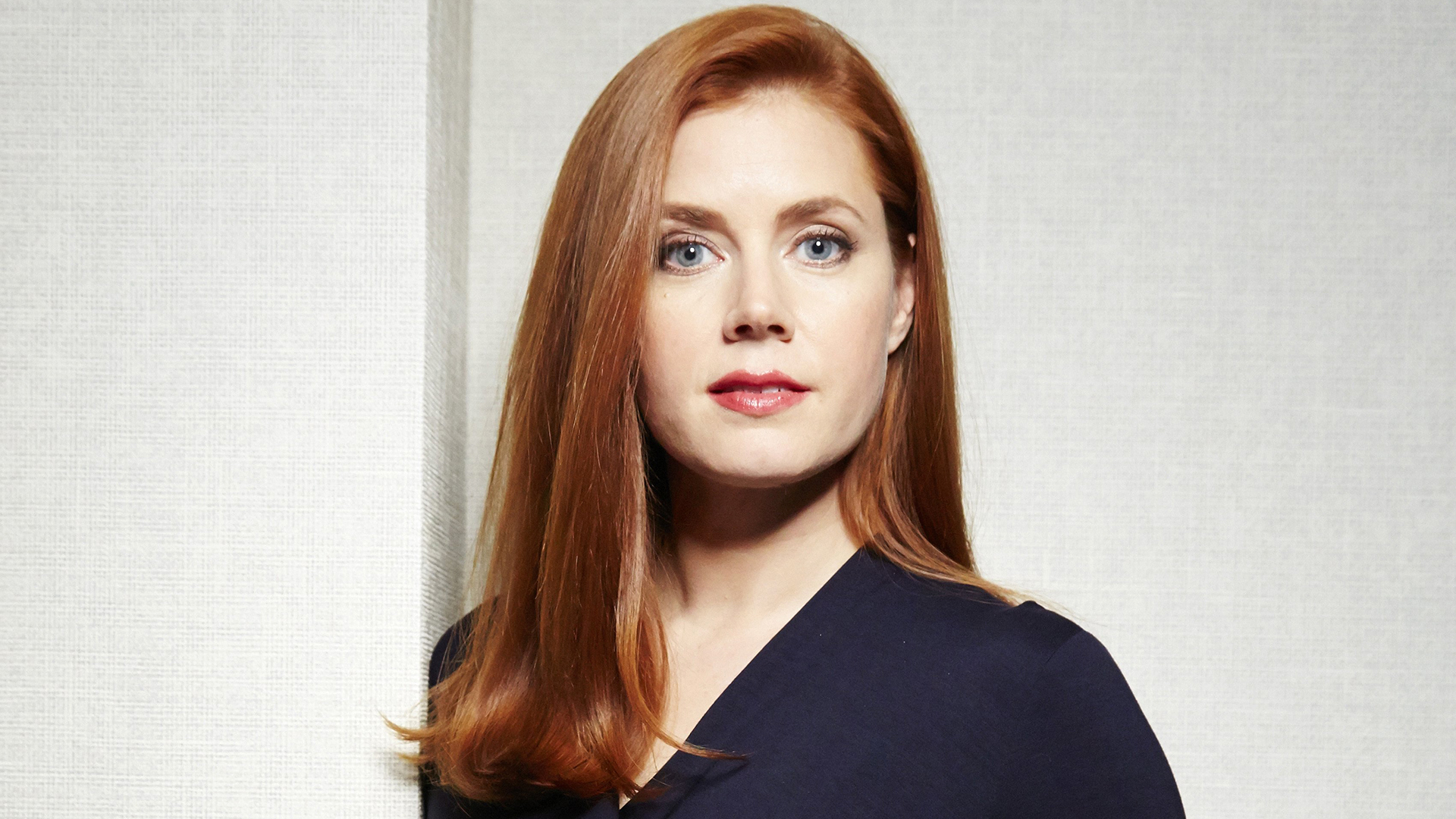 Amy Adams' red hair he... Amy Adams