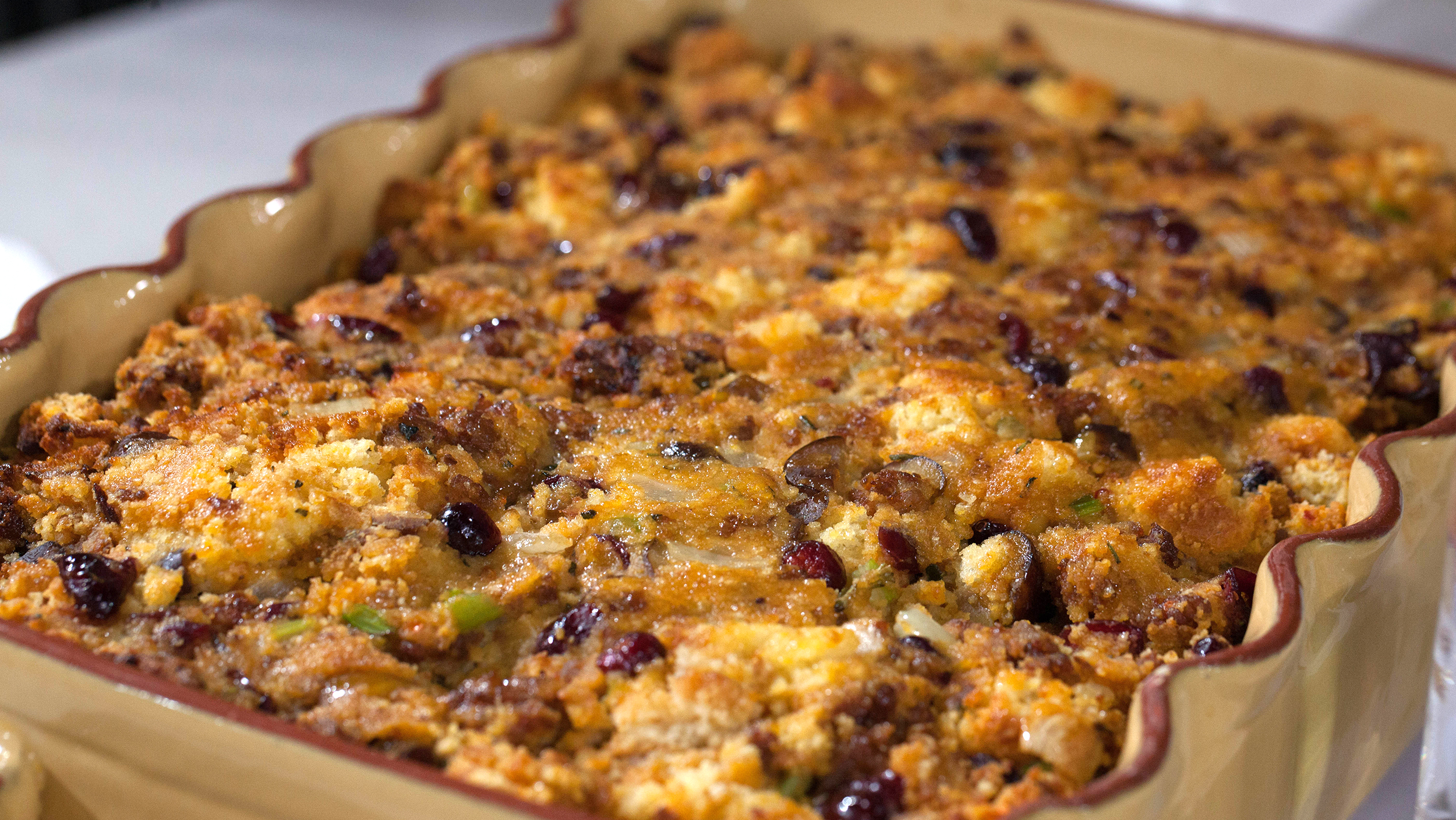 Al Roker's Sausage and Chestnut Cornbread Stuffing - TODAY.com