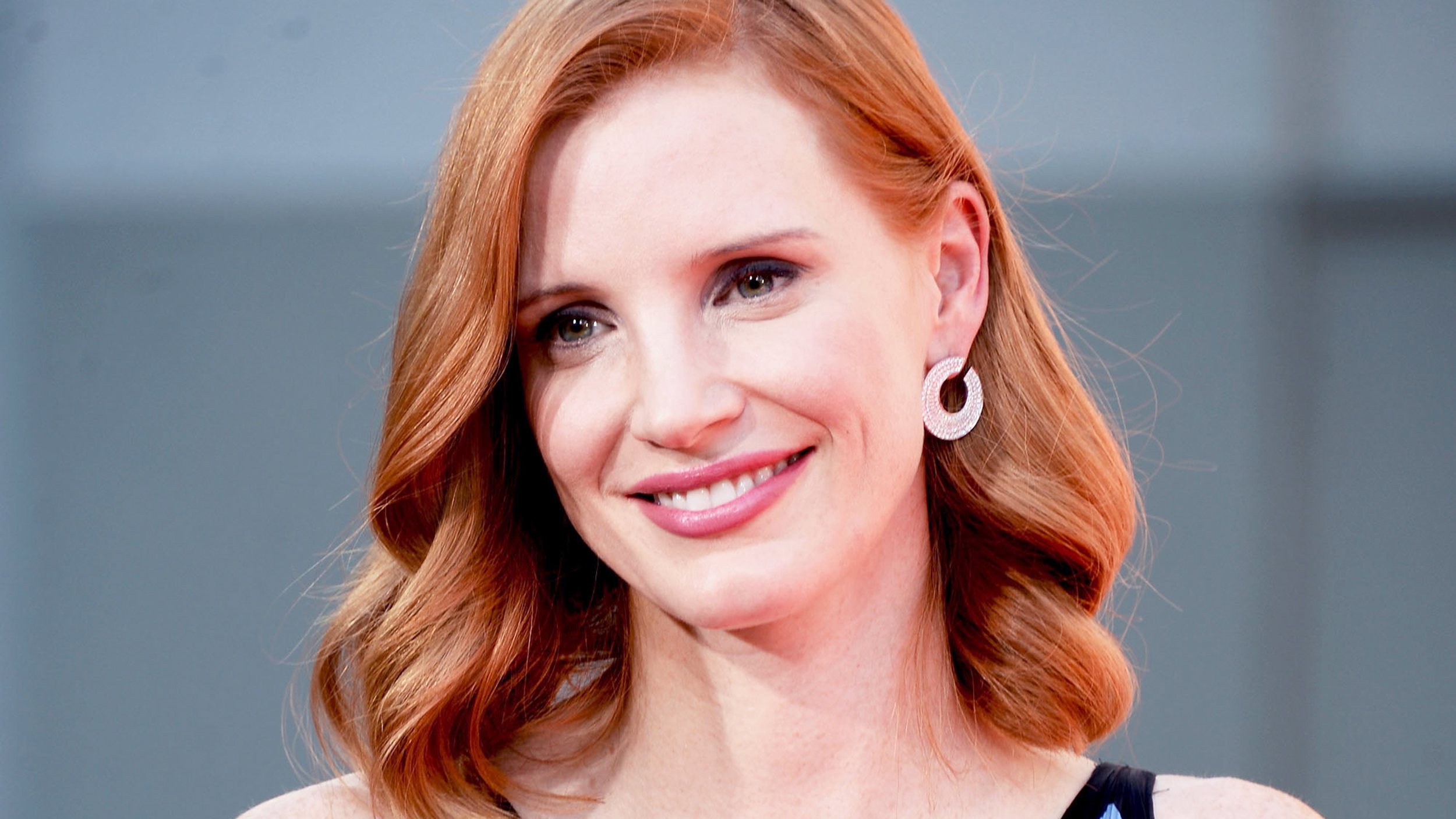 Jessica Chastain Doesnt Dye Her Hair For Movies And We Love Her