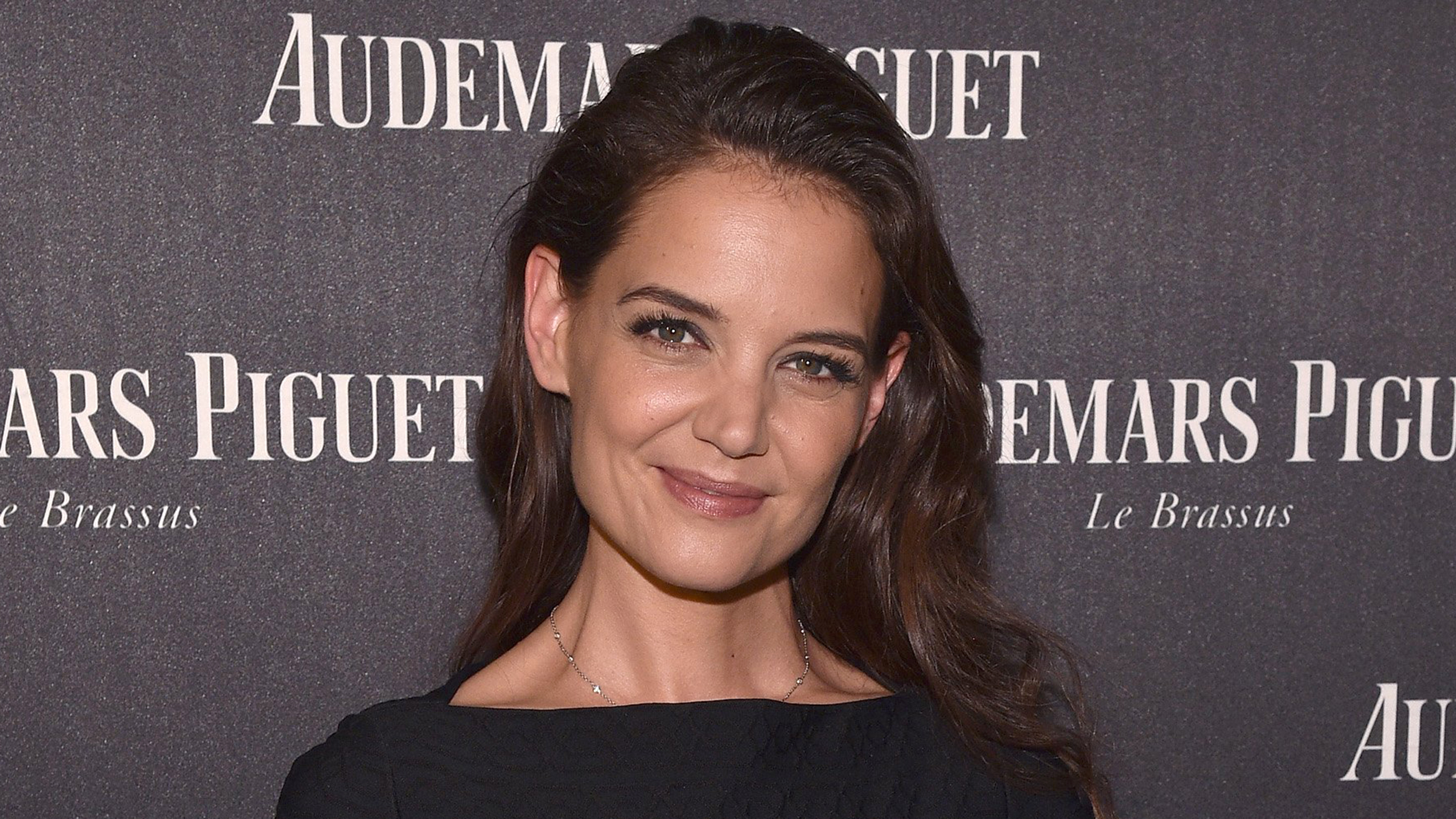 Katie Holmes' bangs give her hair a Jane Birkin vibe ...