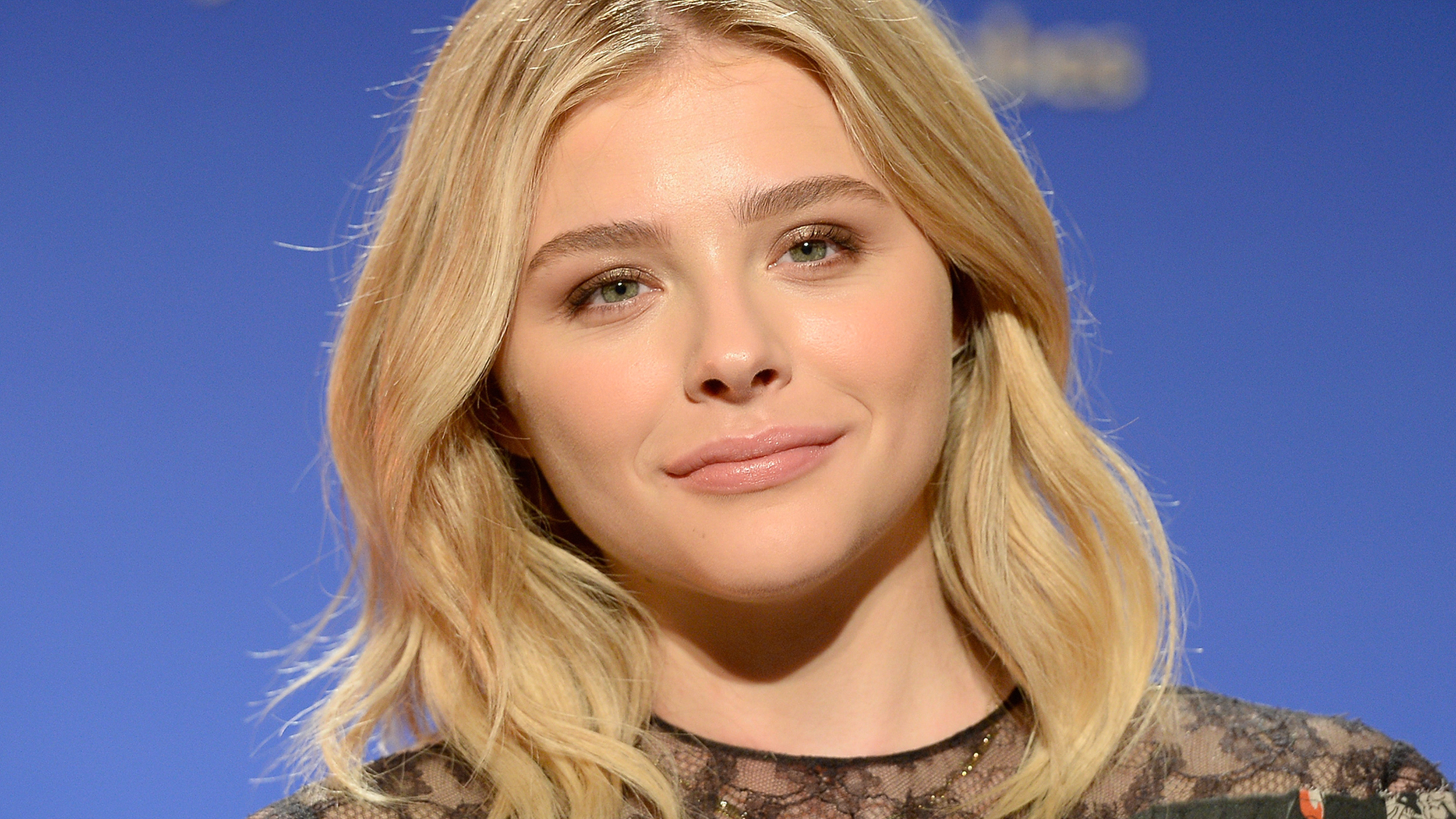 Chloe Grace Moretz Gets Bangs And An Edgy New Hairstyle
