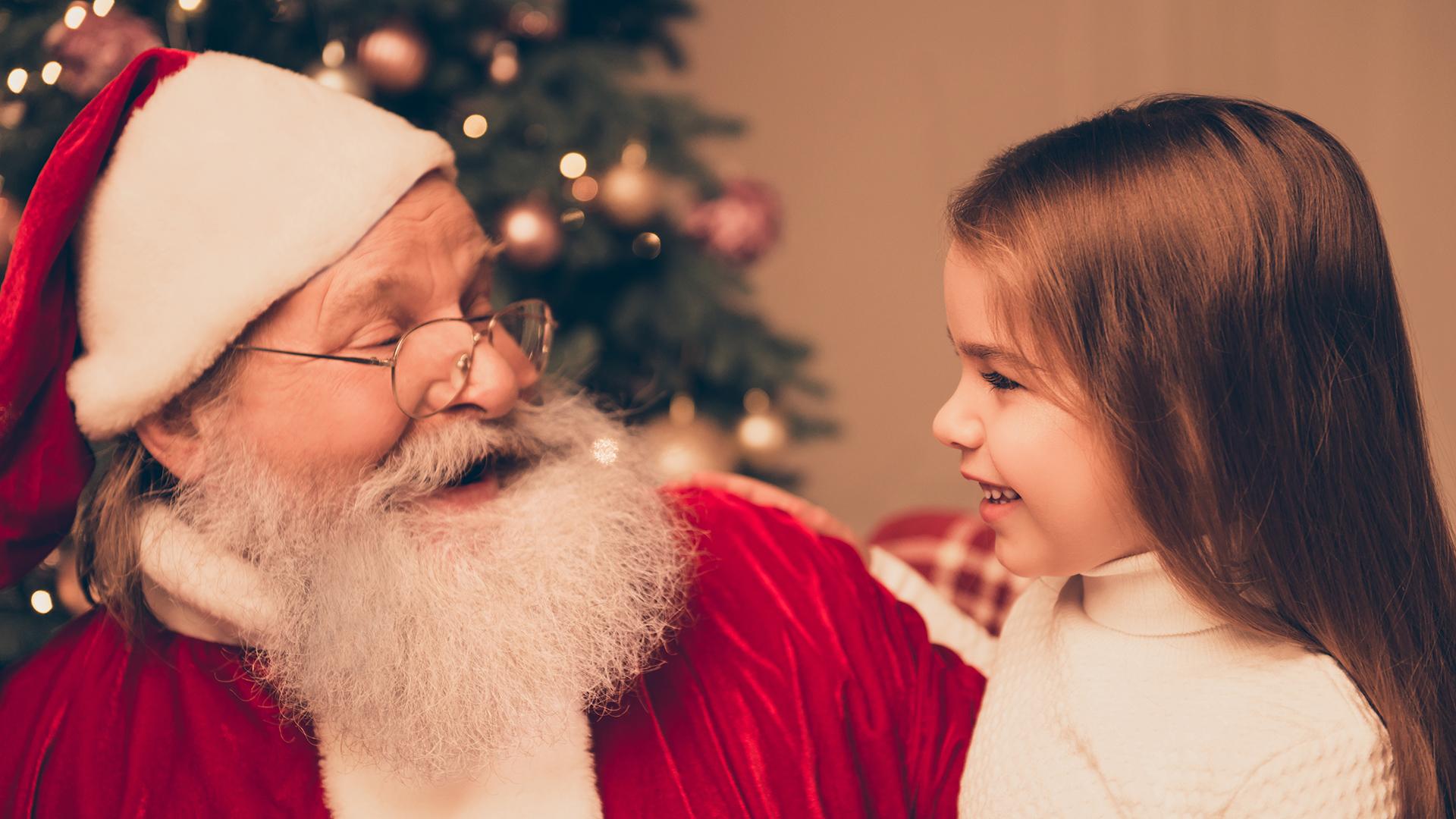 santa girl lap christmas today 161208 tease 70c59d5779a5e6136347ccaceeac6970