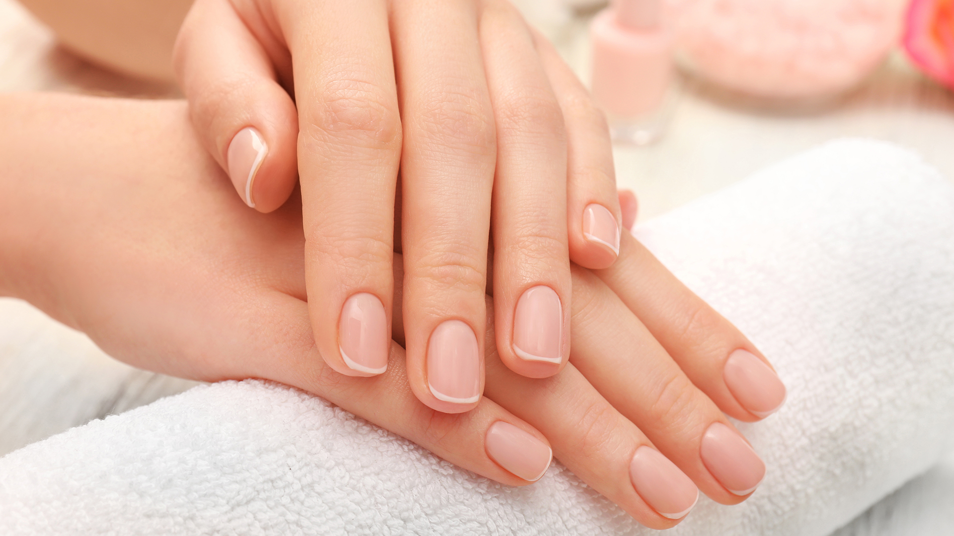 7 nail symptoms explained: Signs you shouldn\'t ignore