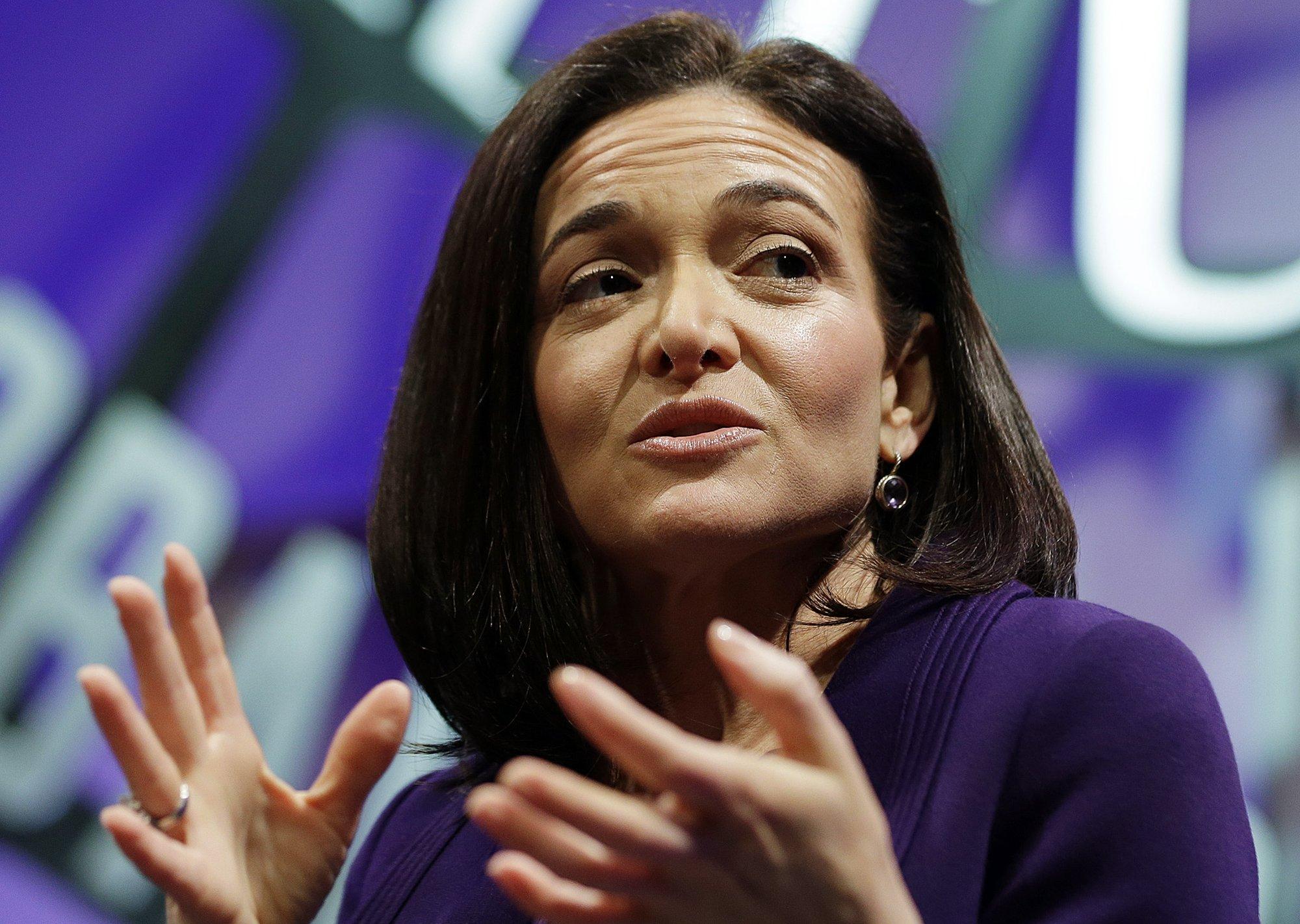 Facebook's-Sandberg-'Leans-Into'-Russia-Probe