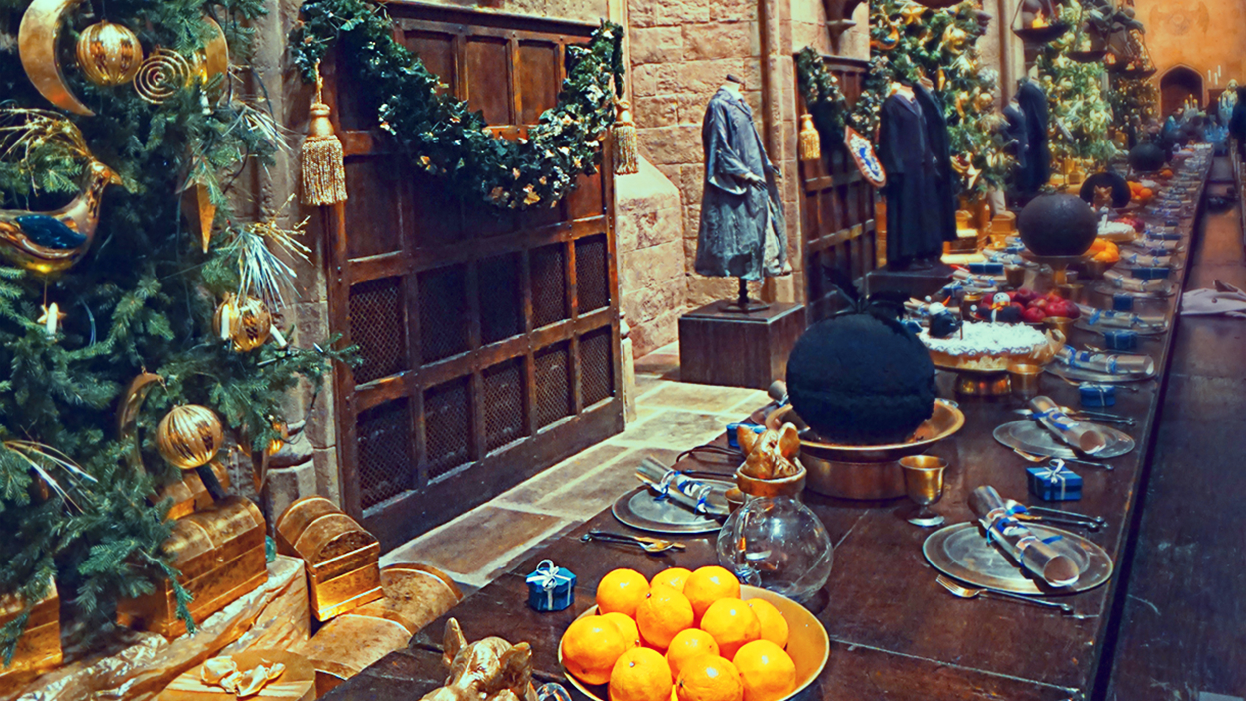 Hogwarts christmas dinner at warner bros studio london for Public dining room 50 off