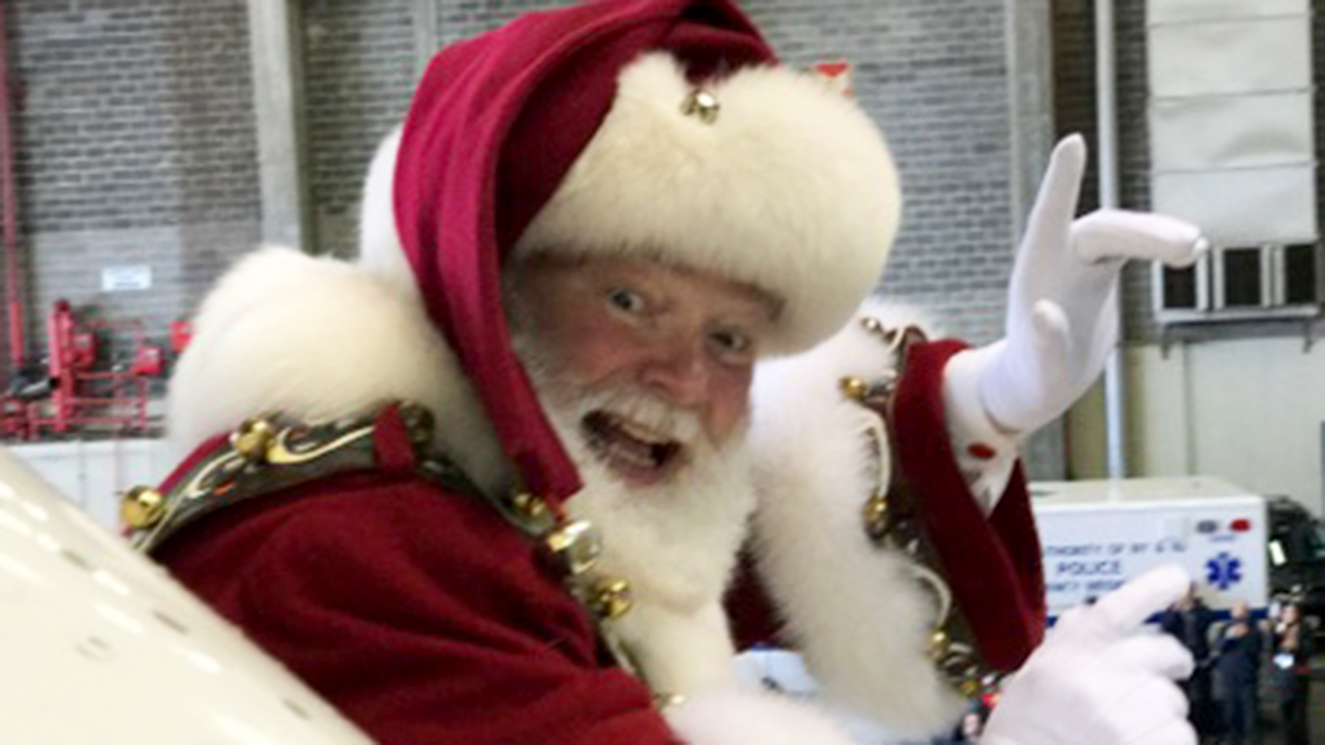 An amazing story about how I suddenly became Santa Claus and fulfilled the most important childhood dream