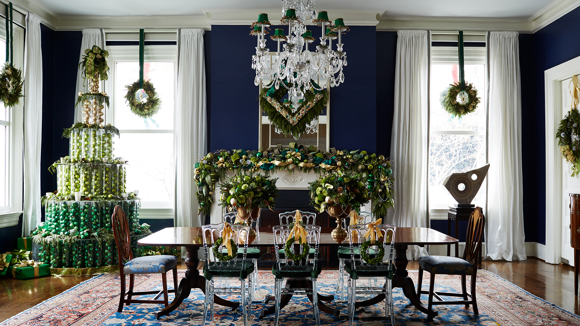 vice president joe biden 39 s home is decorated for christmas see inside. Black Bedroom Furniture Sets. Home Design Ideas