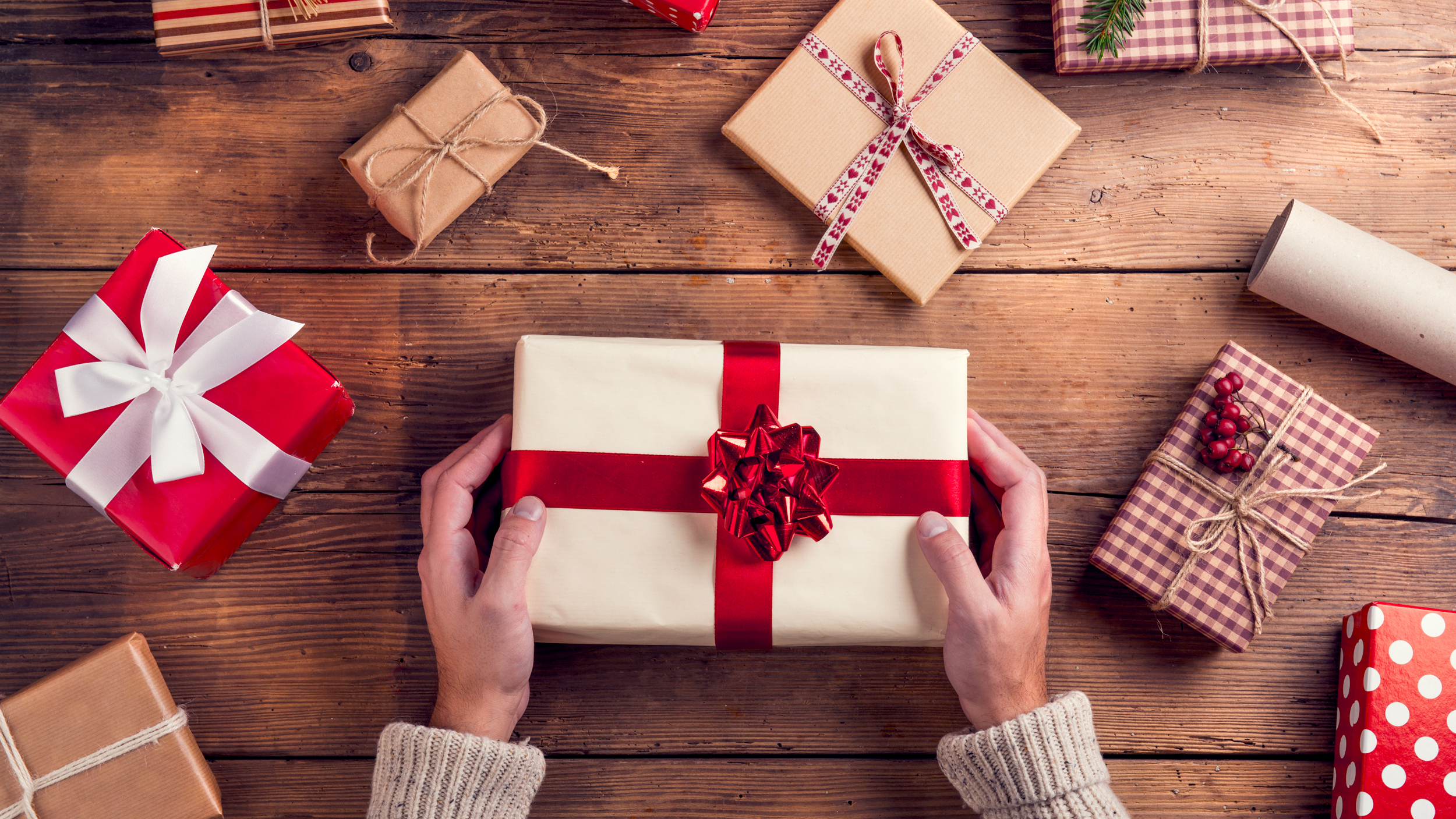 Last-minute gift ideas for women, men, kids, foodies, hostesses