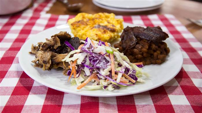 Cook like Al! Make his pulled pork barbecue, baked beans and more