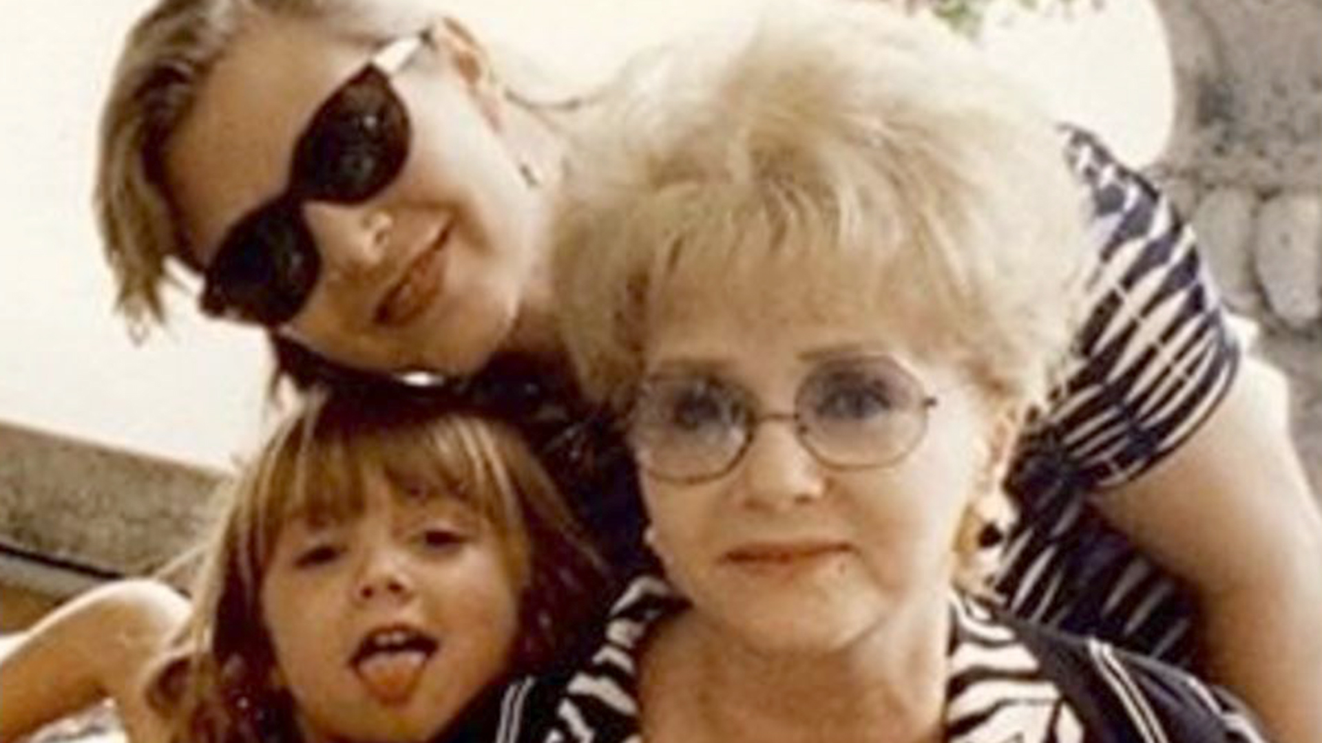 Billie Lourd thanks fans for 'strength' after death of Carrie Fisher, Debbie Reynolds - TODAY.com