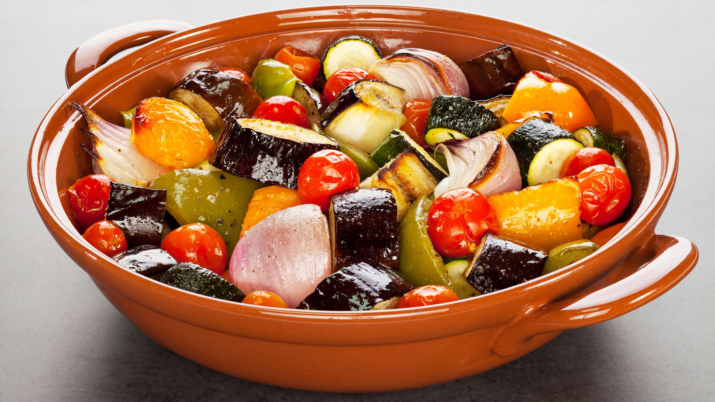 ratatouille-mediterranean-diet-today-170104-tease_45e155f863f0ec24b235741d8fb6367b.jpg
