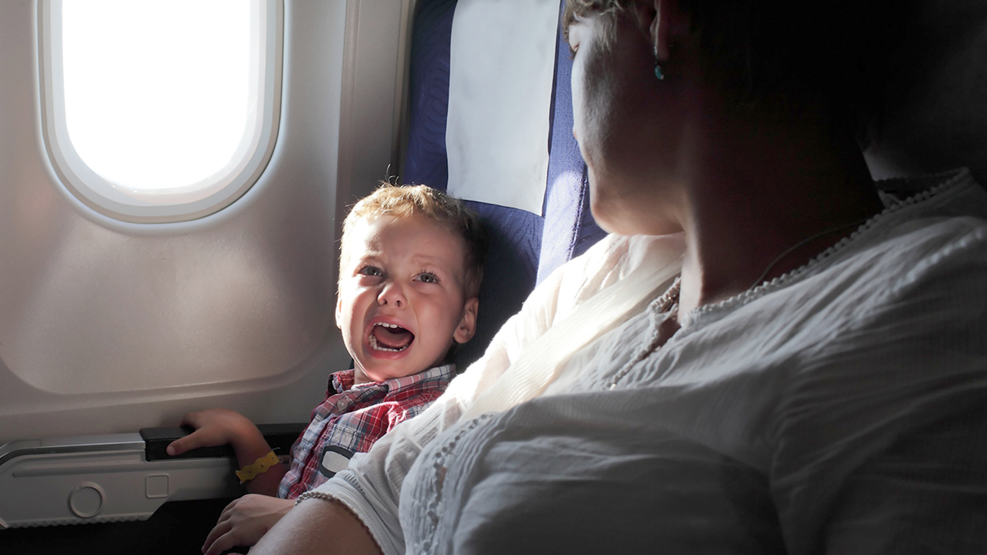 How to stop tantrums and crying on plane