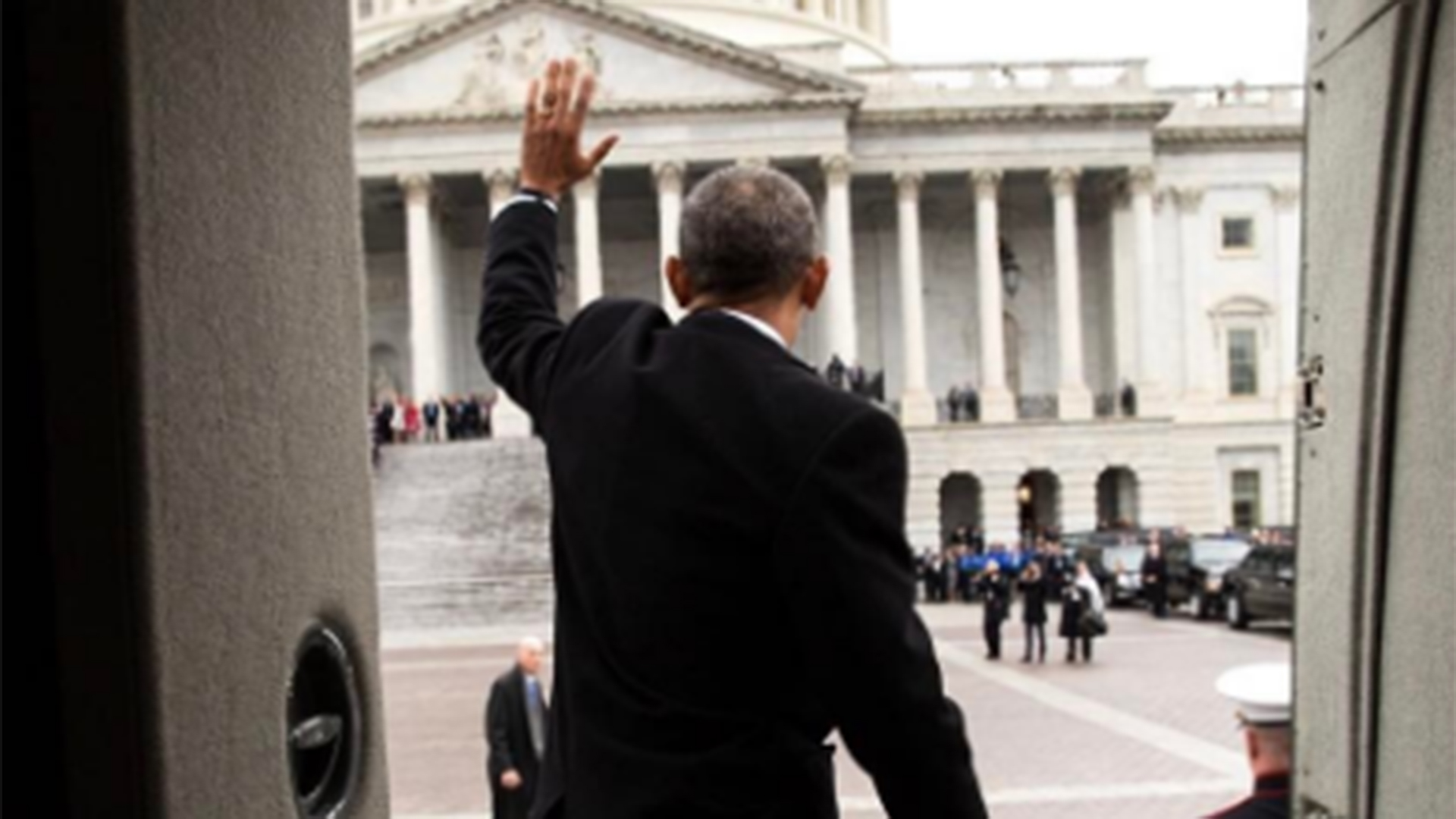 Pete Souza posts photos of President Obama's final moments at White House