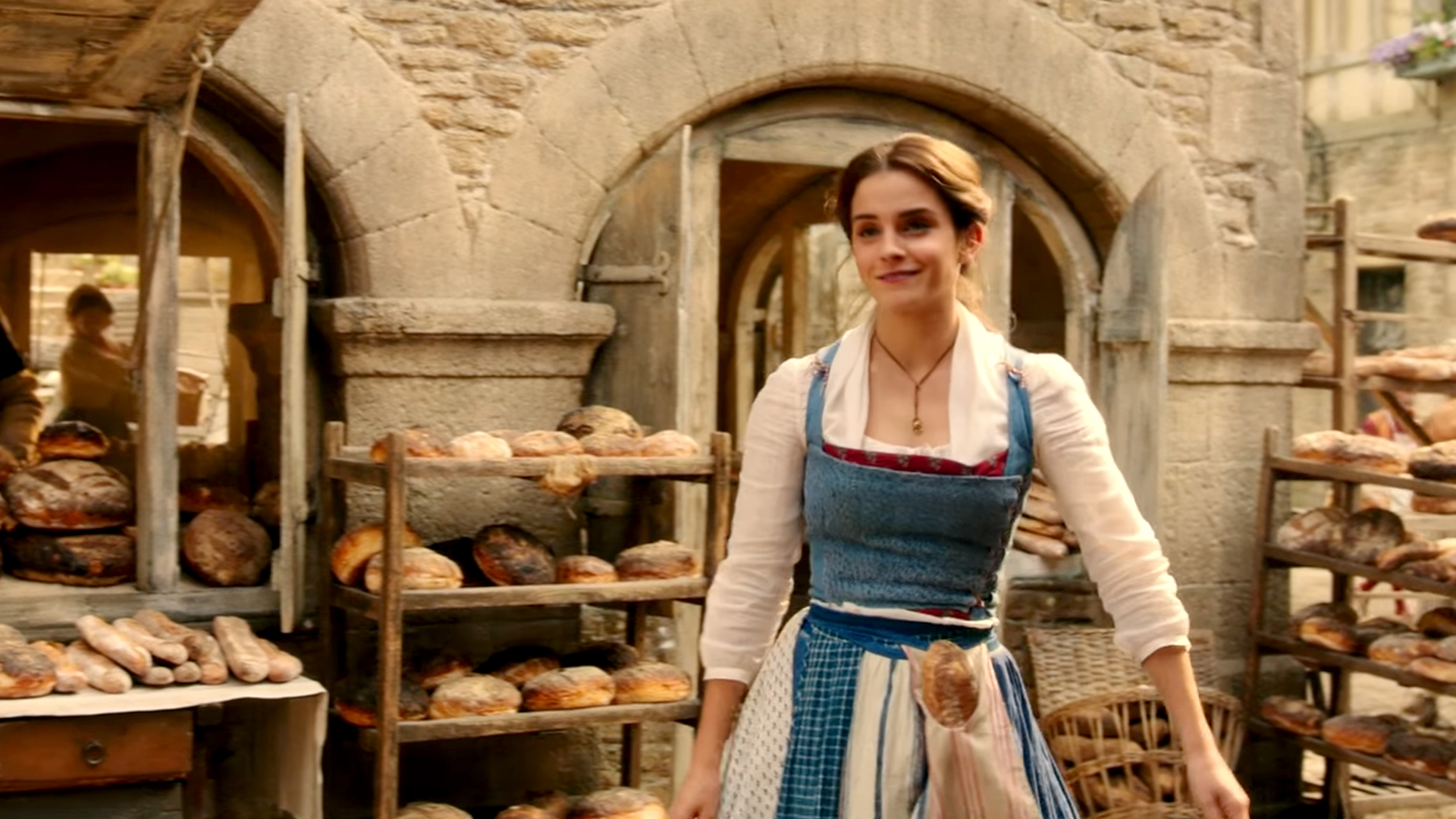Emma watson sings 39 belle 39 in new 39 beauty and the beast for Belle photo hd