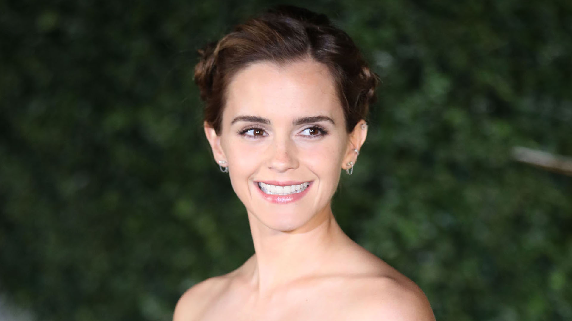 Emma Watson Looked Like A Fairy Tale Princess At The Beauty