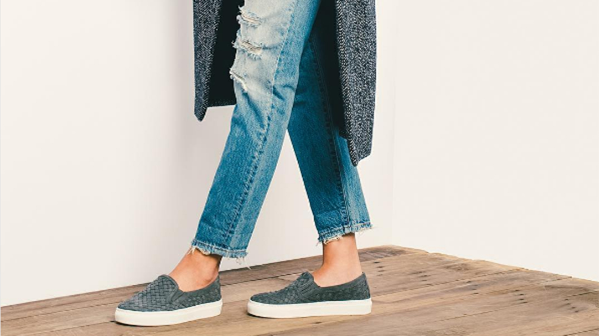 M.Gemi Cerchio slip-on sneaker has a 1
