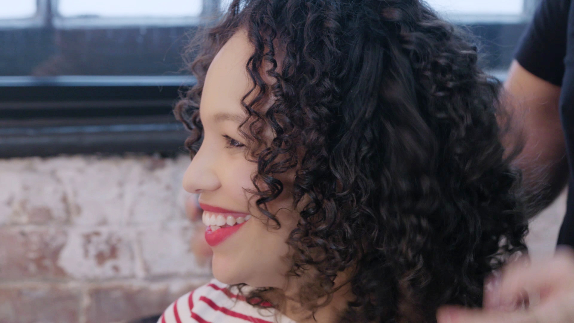 How To Curl Your Hair And Get Rid Of Frizz With Chopsticks