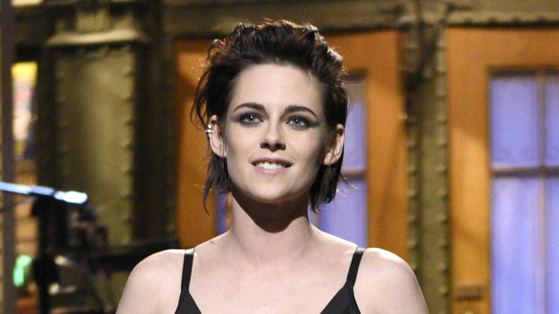 Kristen Stewart Shaved Her Head See Her Dramatic Blond