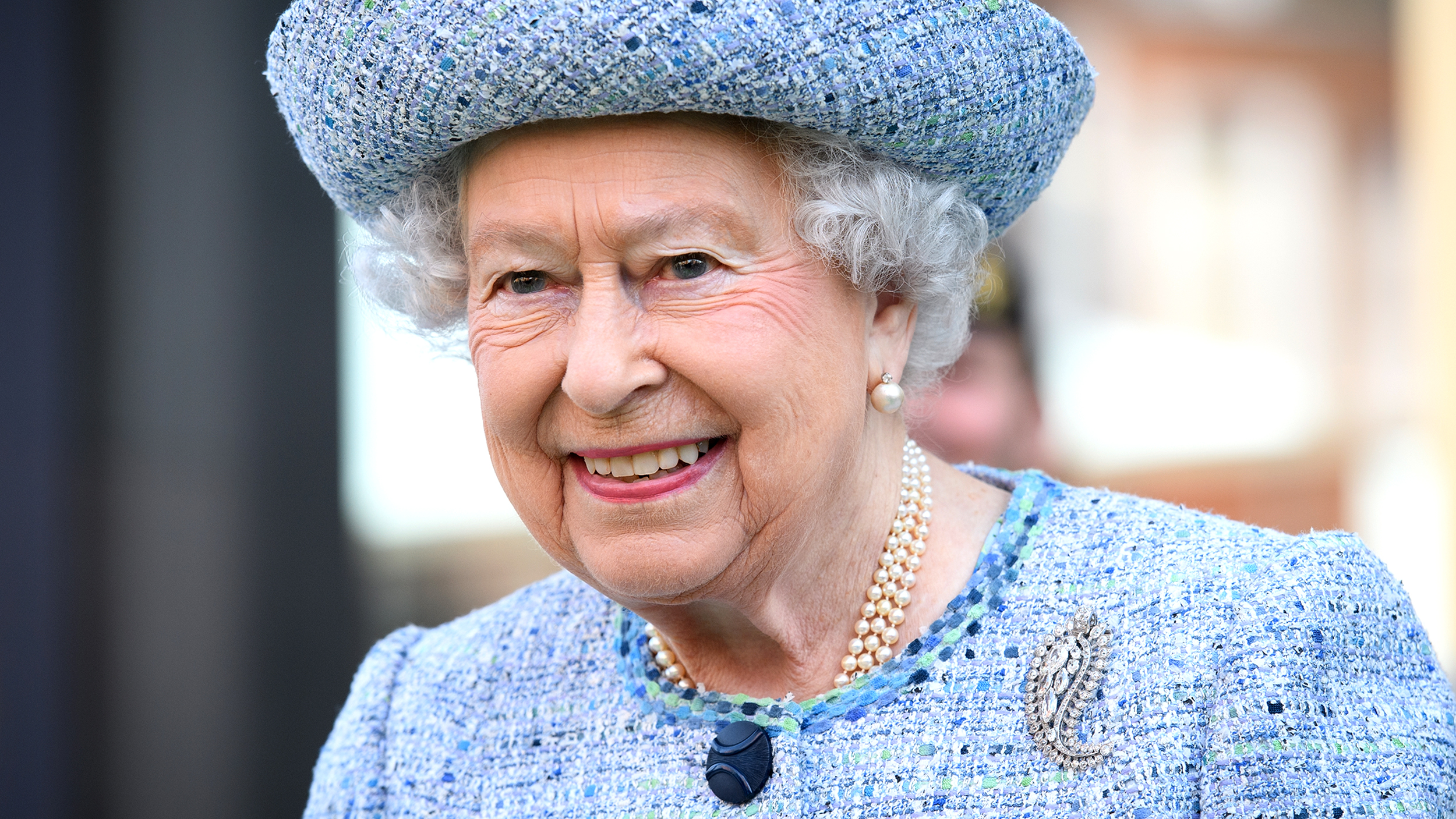 Queen Elizabeth Royal Household Looking To Hire Decorator