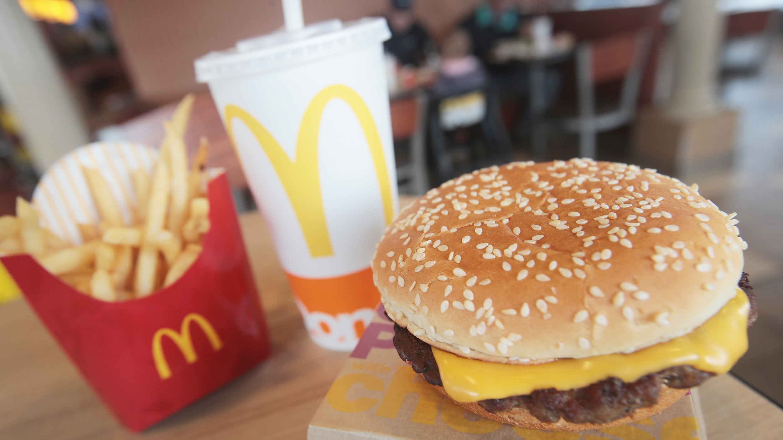 mcdonalds customer profile Mcdonald's still has to solve one huge problem but a recent survey by the american customer satisfaction index (acsi) shows mcdonald's still has a long way to go in one area: public perception.