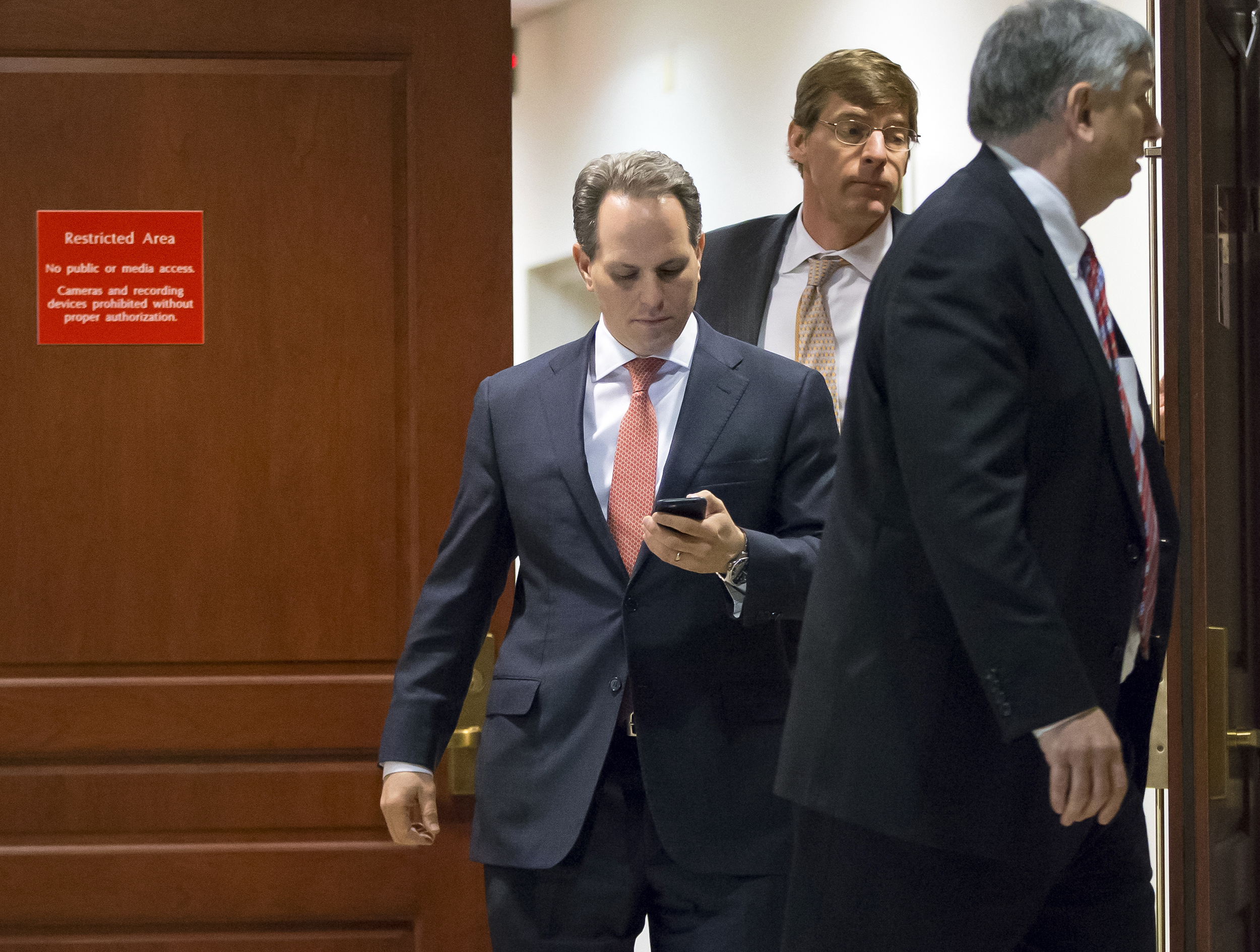 Ex-CIA Chief of Staff Jeremy Bash Says White House Is 'Runaway Train'