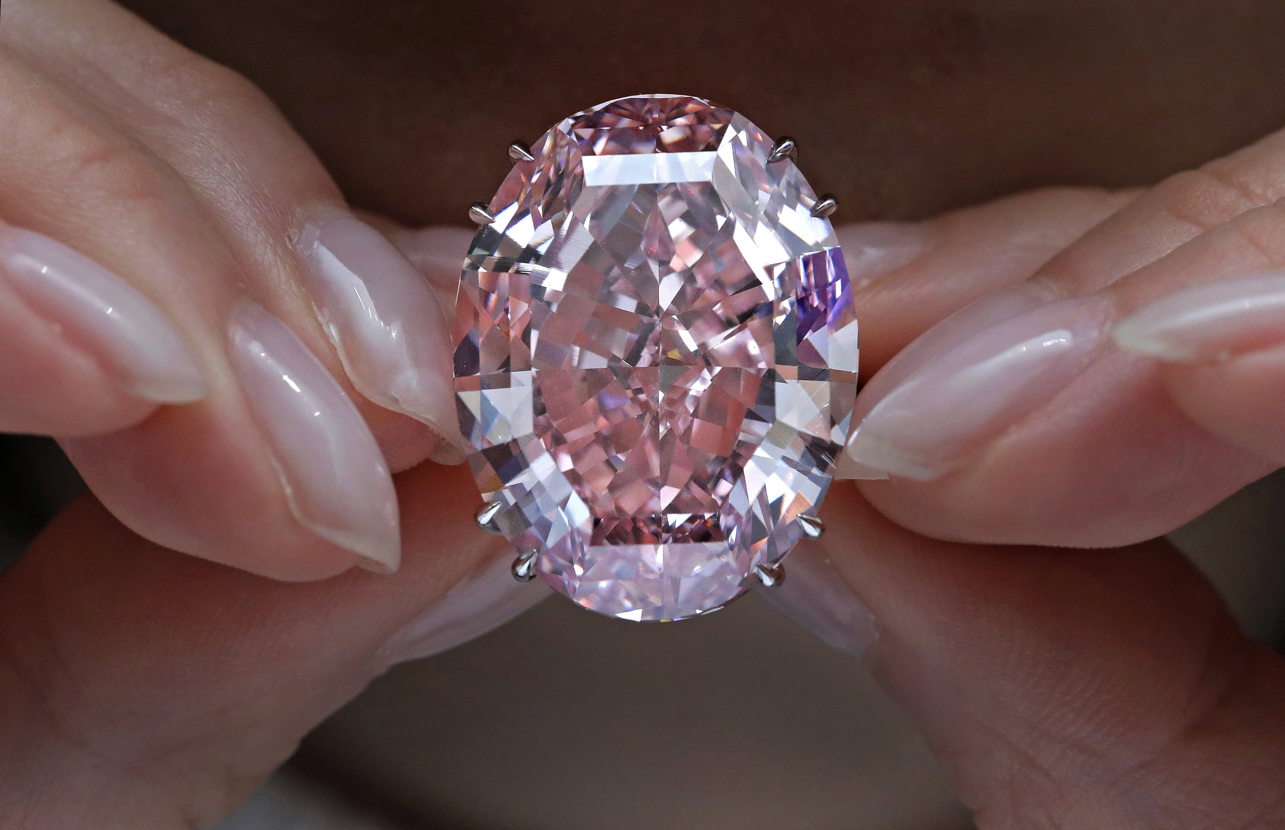 million the was gems graff it pin by purchased immediately more carat laurence and jewel after purchasing in for renamed than pink diamond oppenheimer