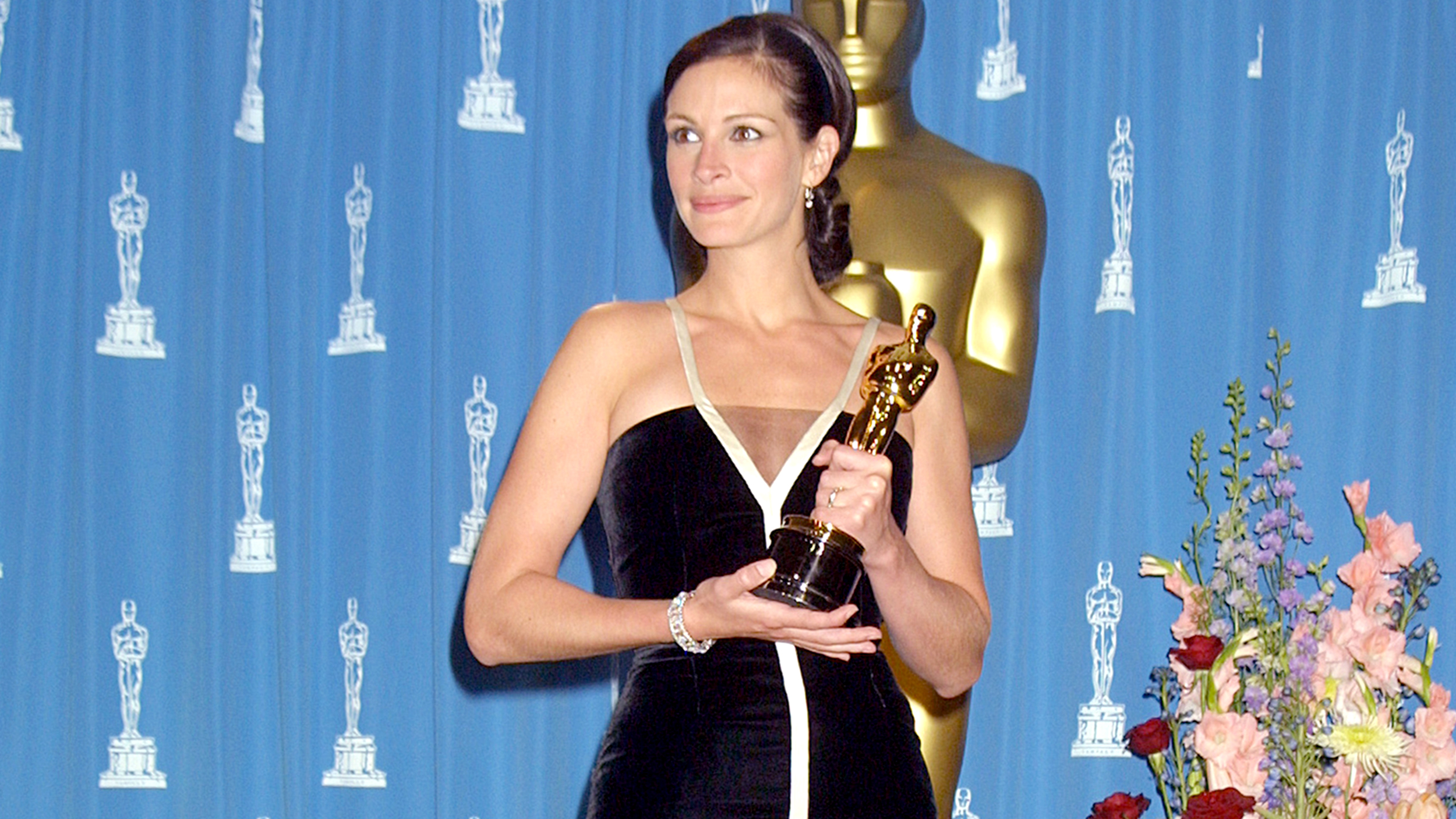 Julia Roberts Is Saving Her 2001 Oscar Dress For A Very Important Person