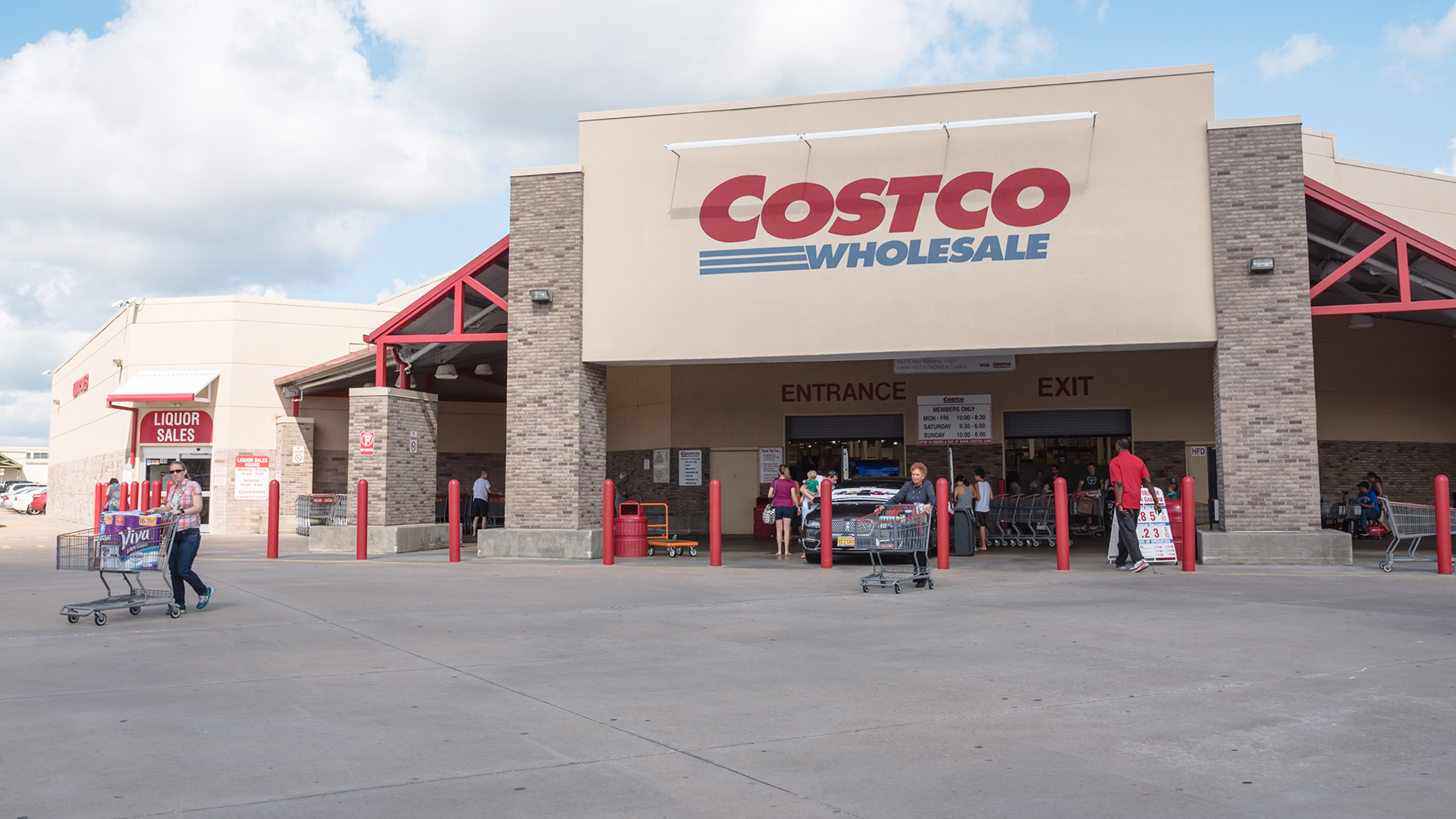 When did costco do its ipo