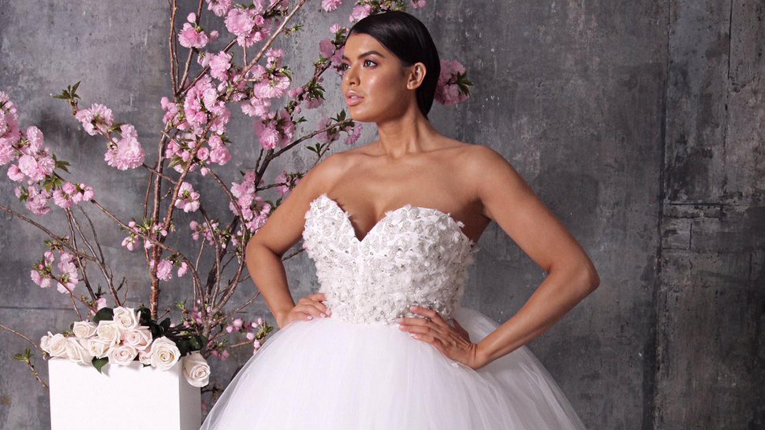 Christian siriano s bridal collection embraces plus sizes for Christian siriano plus size wedding dress