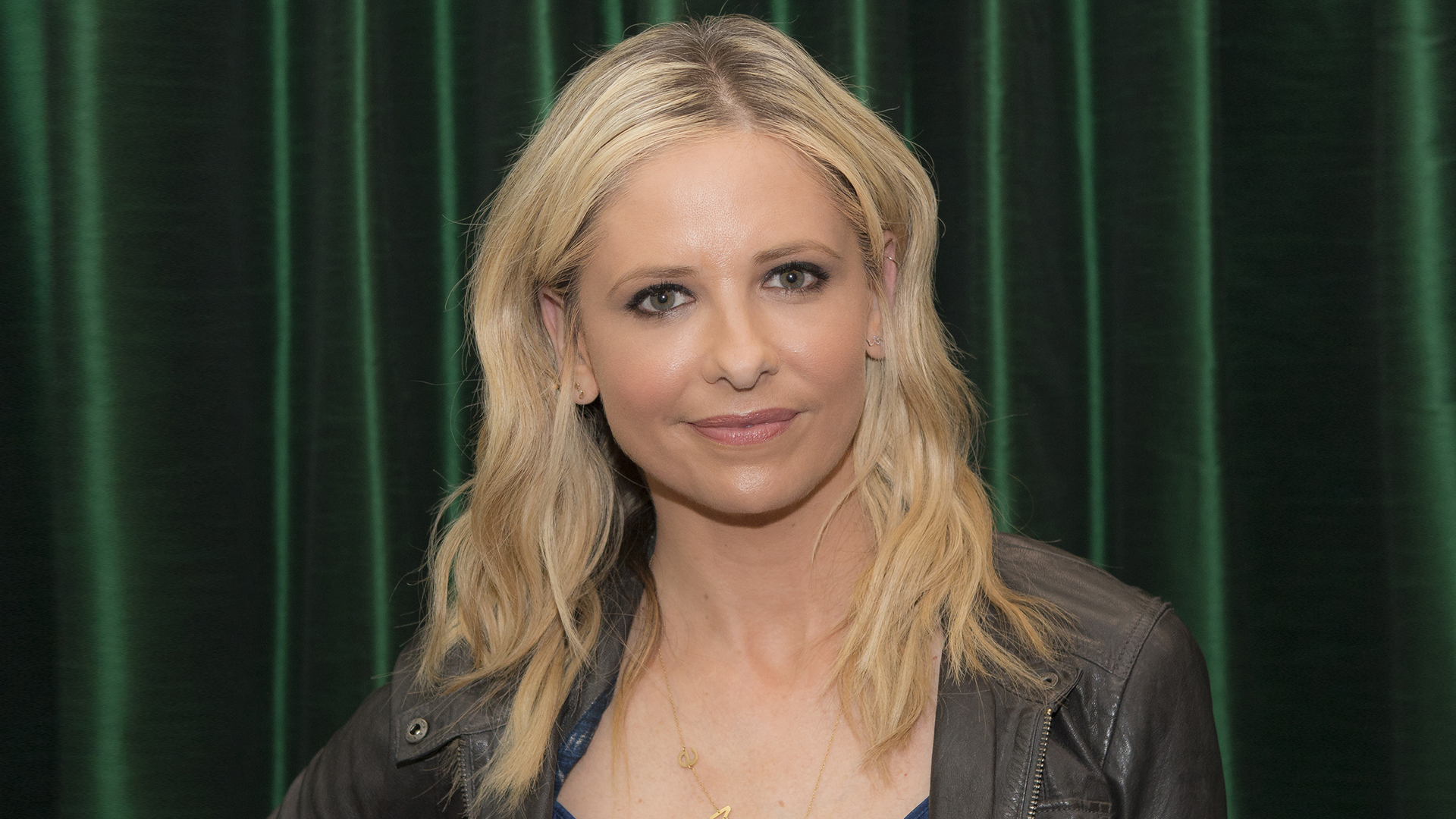 Sarah Michelle Gellar Has Dyed Her Blonde Hair a Shade of Pink