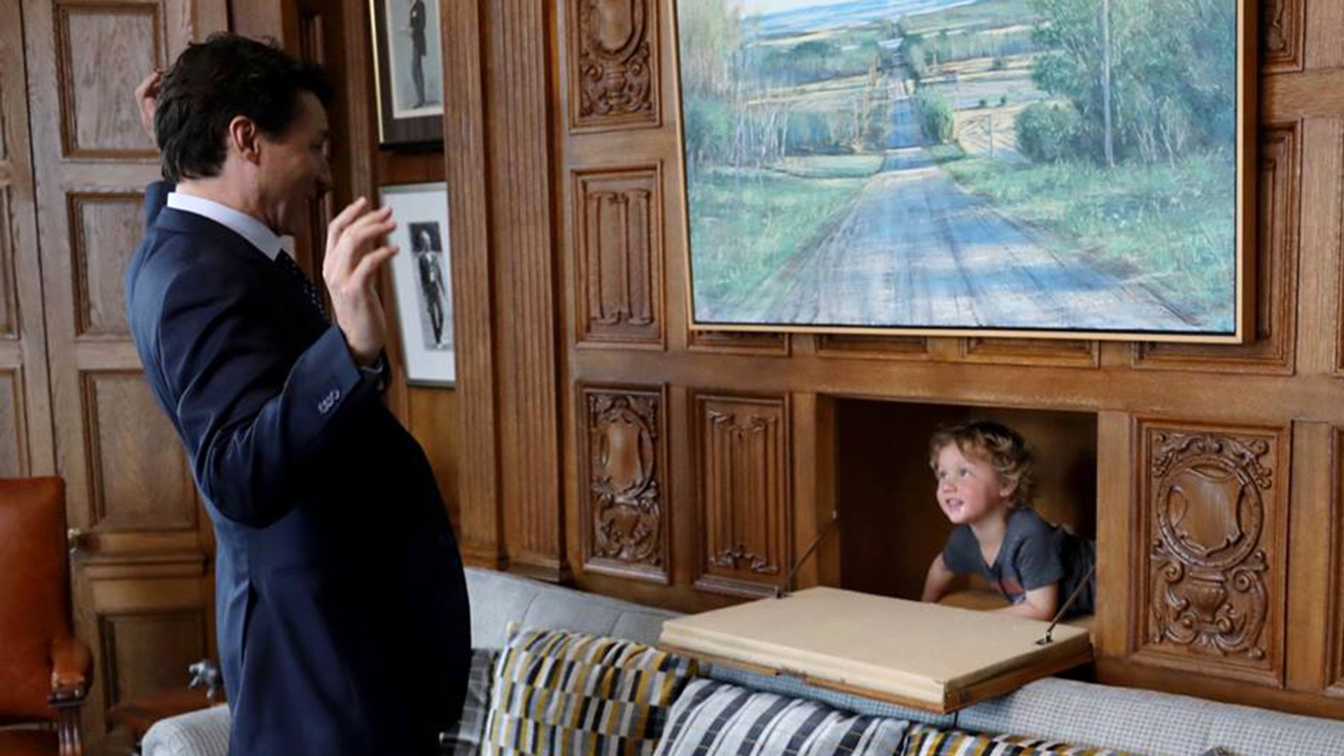 Justin Trudeau Takes 3 Year Old Son To Work Melts Hearts Everywhere