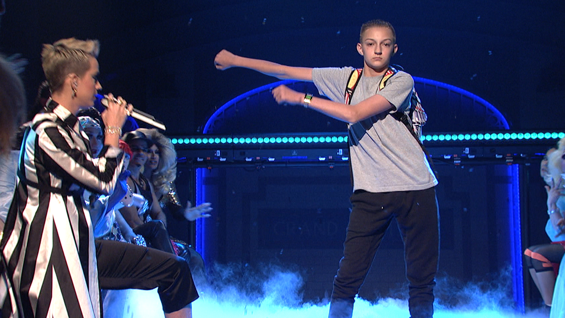 Watch Snl Online >> 'Backpack kid' steals the show at Katy Perry's 'SNL ...